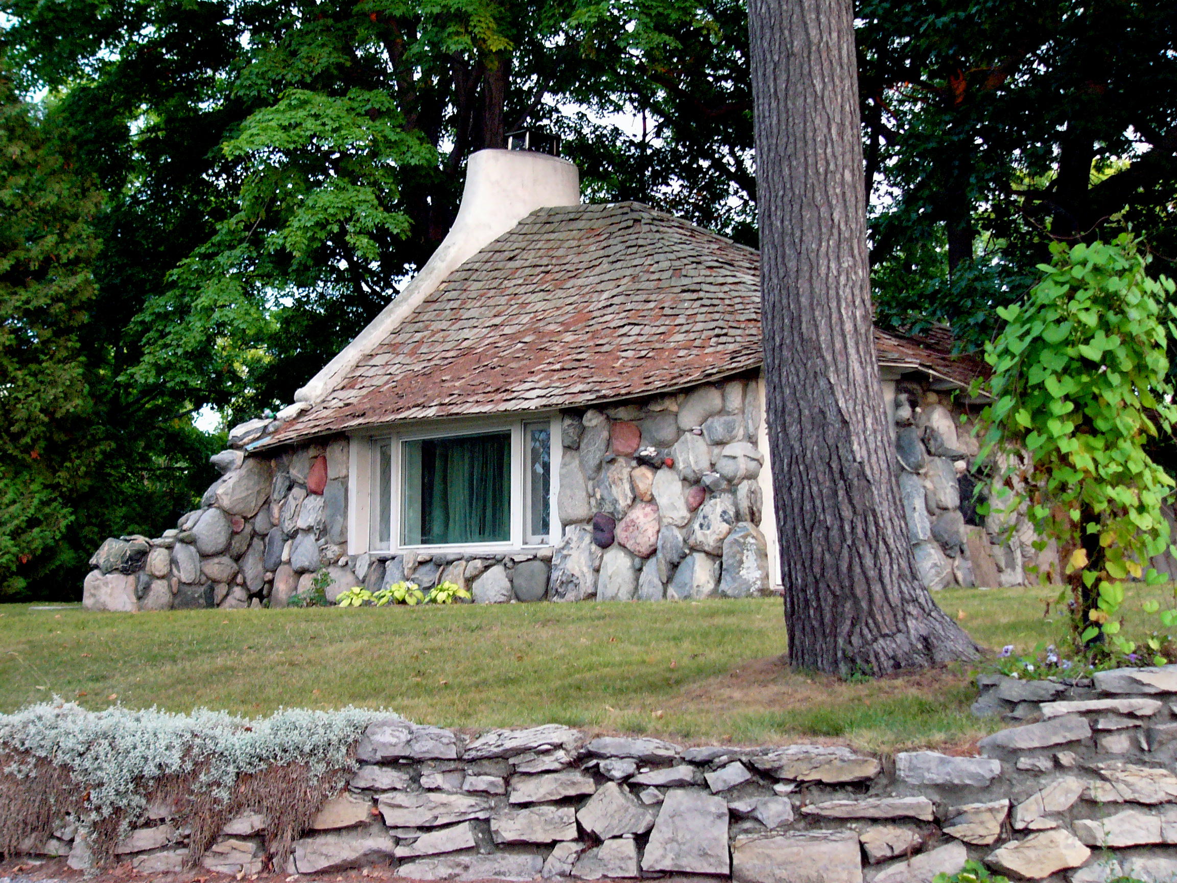 Have you taken the   Earl Young Mushroom House Tour   yet? If not take some time to learn about these amazing world famous homes this summer.