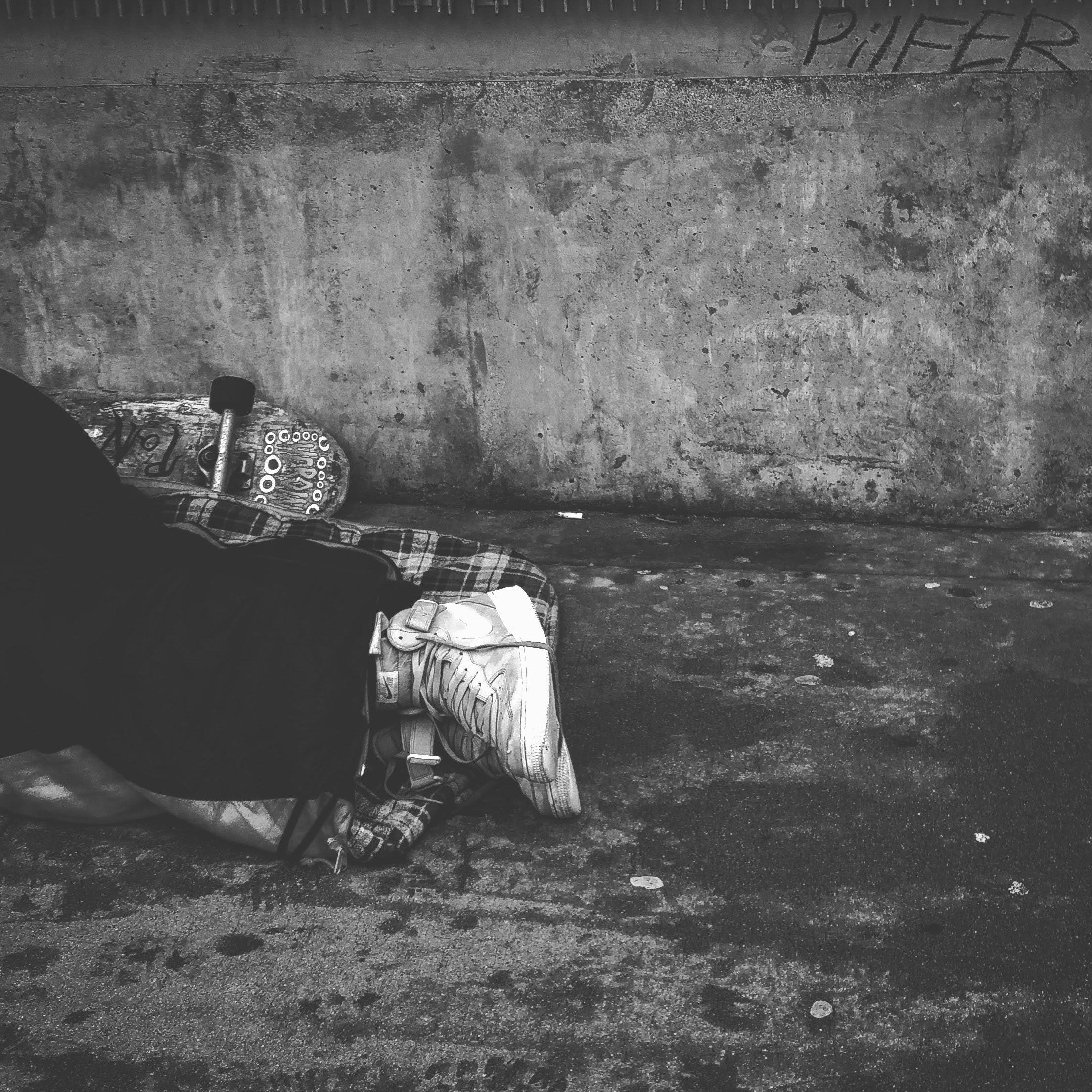 abandoned-adult-black-and-white-384553.jpg