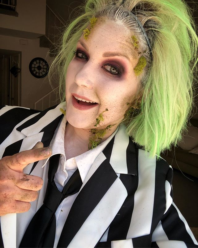 So...I finally rose from the dead💀 and iiit's showtime!  You ready for Halloween? . . . . #beetlejuice #beetlejuicemakeup #beetlejuicecostume #daylightcomeandmewannagohome #motd #halloween2019