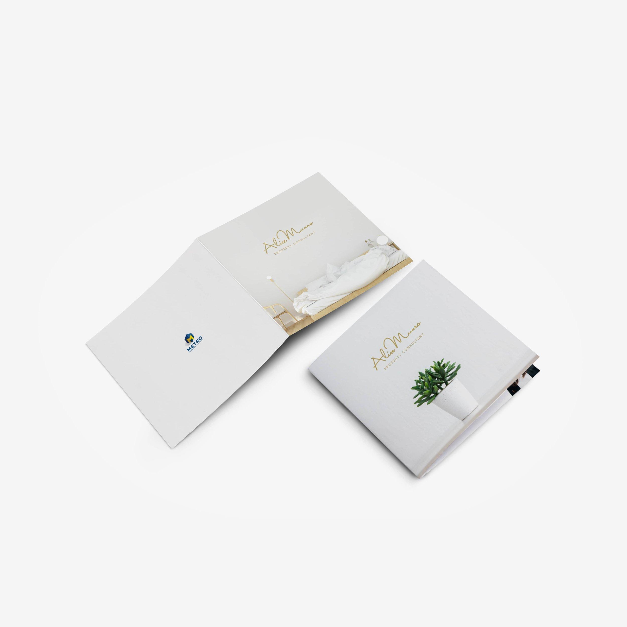 Alice Munro - Greeting Card 1 (square)-min.jpg