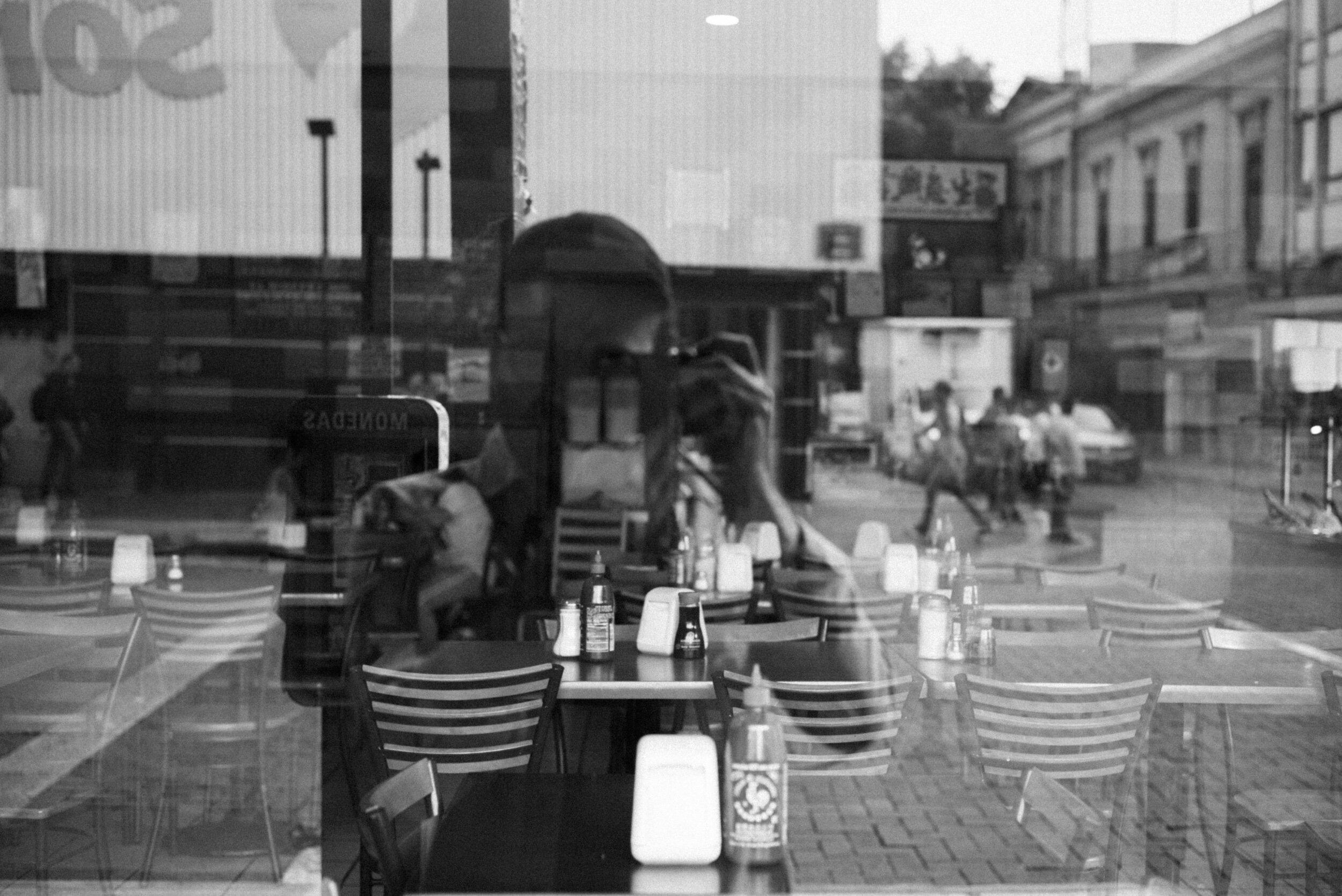 walk with me.  r.  Leica M(Typ240) + Summicron-M 50mm, f/2.