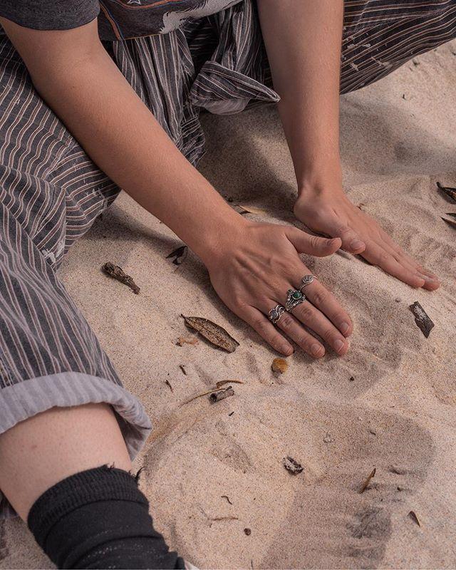 Tag someone with cool socks 🦄 • • • • • #nicesocks #lordoftherings #rings #ringsofinstagram  #sandybeaches #lifesabeach #coromandel #eastcoast #sandcastles #sand #Sonyalpha #nzmade #capturenz #beautifulplaces  #coastline  #lanscapecaptures #purenewzealand #hands