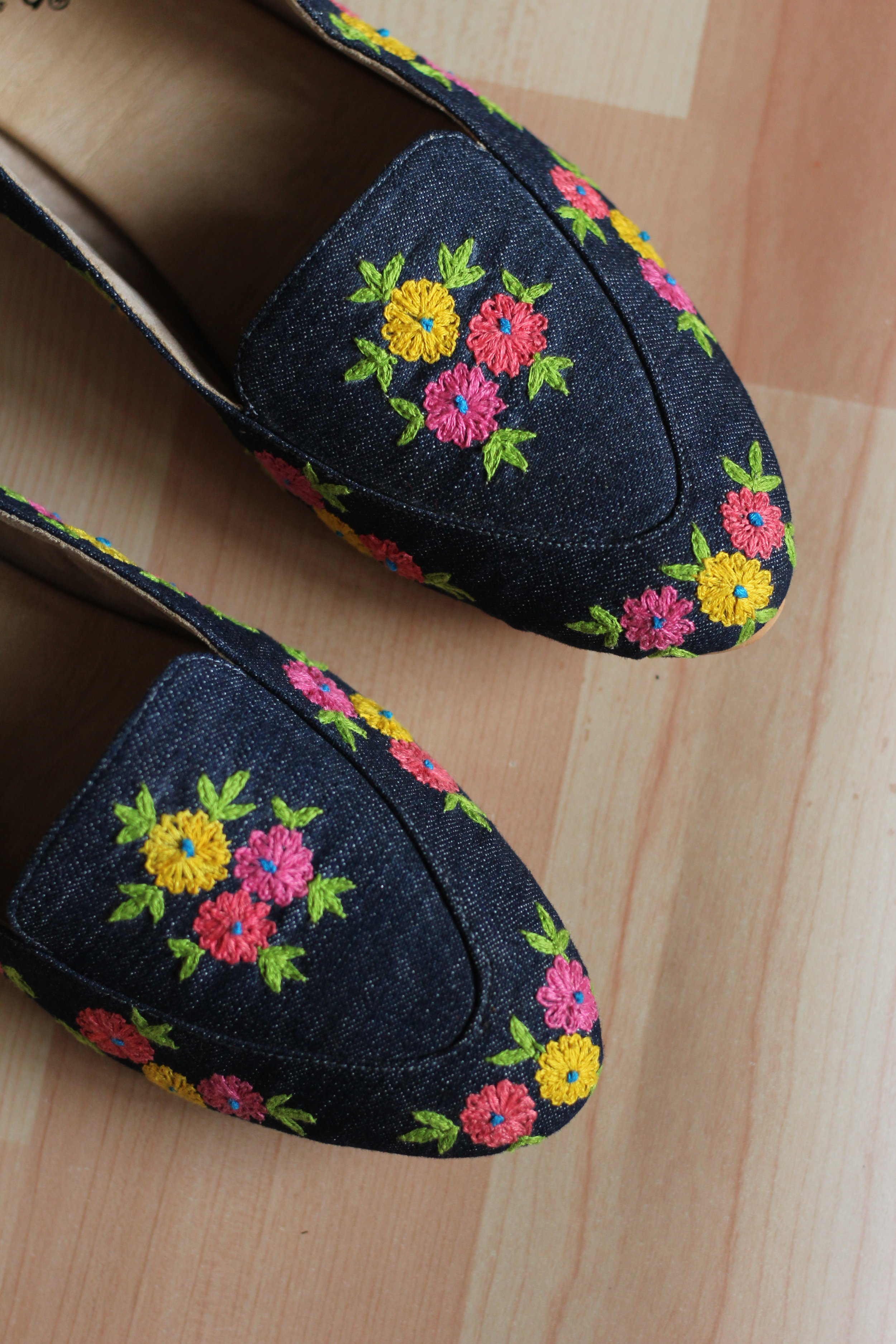 Flower Bloom - It's okay to be a little obsessed with shoes and ones with blooming flowers on denim base makes it a perfect pair.