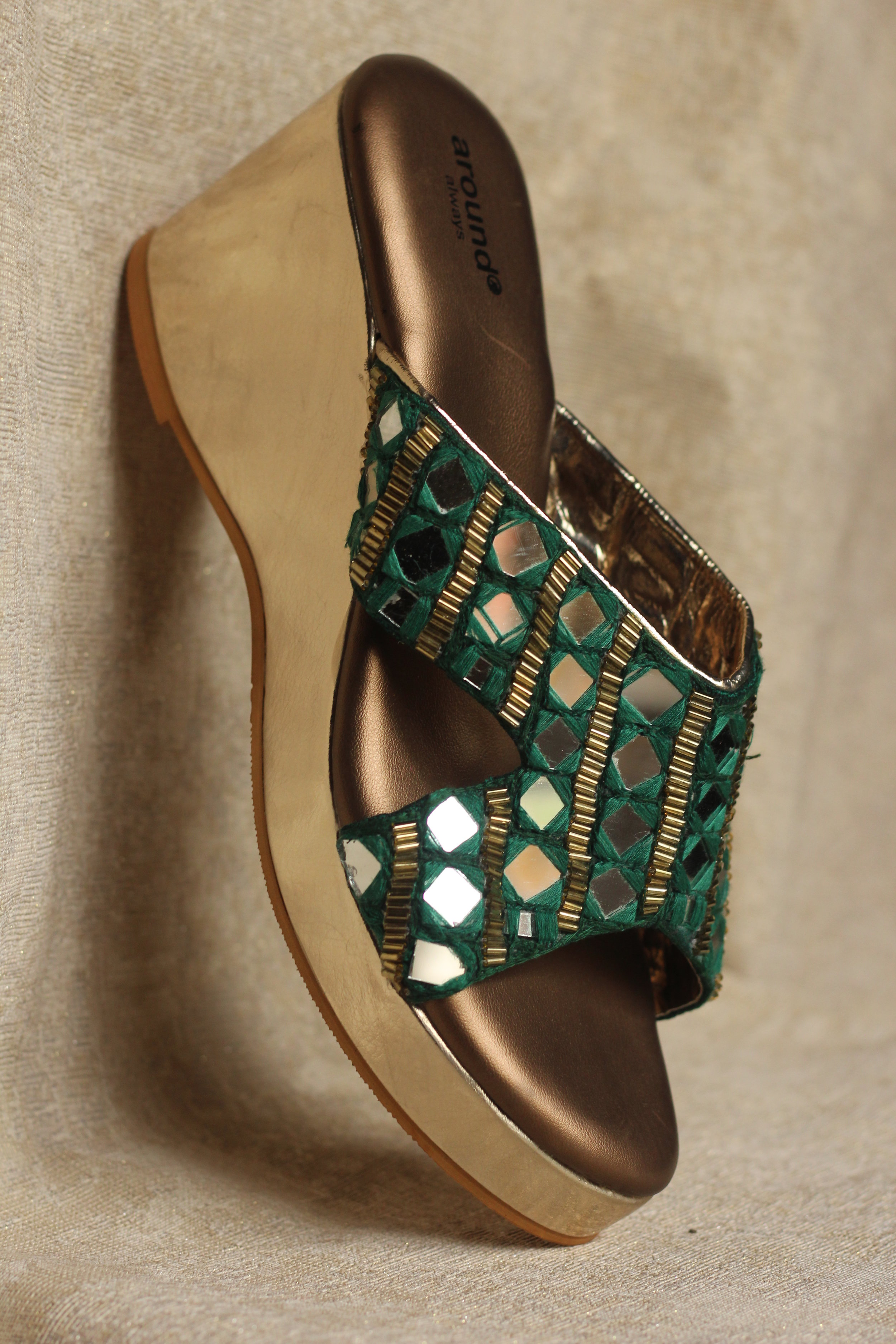 AURELIA - The perfect combination of bling and beauty, this pair will ensure you shine bright on your most important days