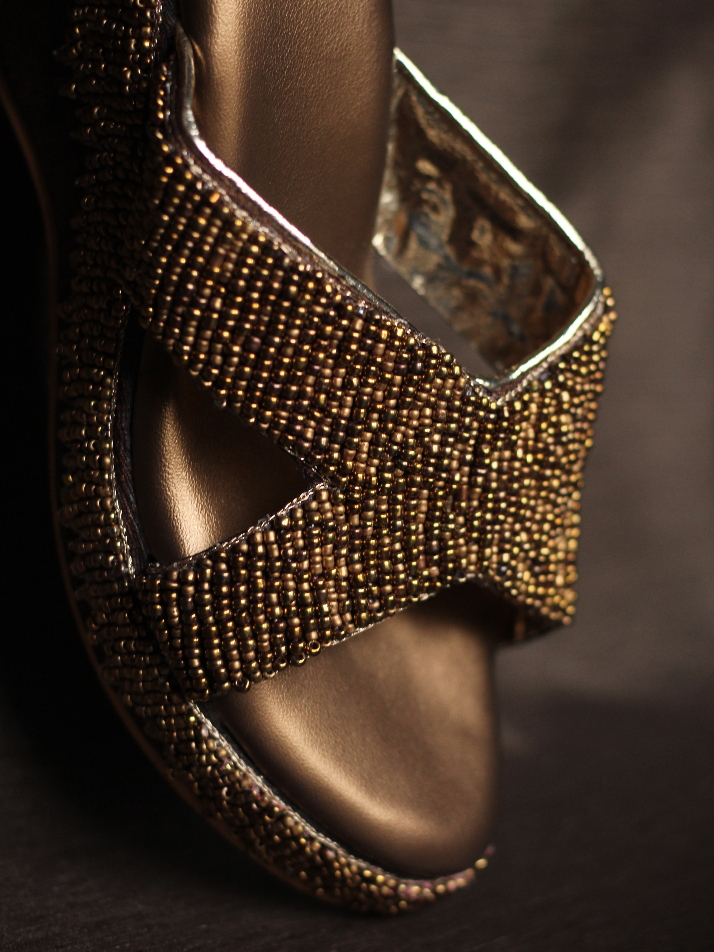 HAZEL - Antique and gold makes this piece a classic. You can team it with Western, Indo-western or Indian and it'll surely be your feet's best friend