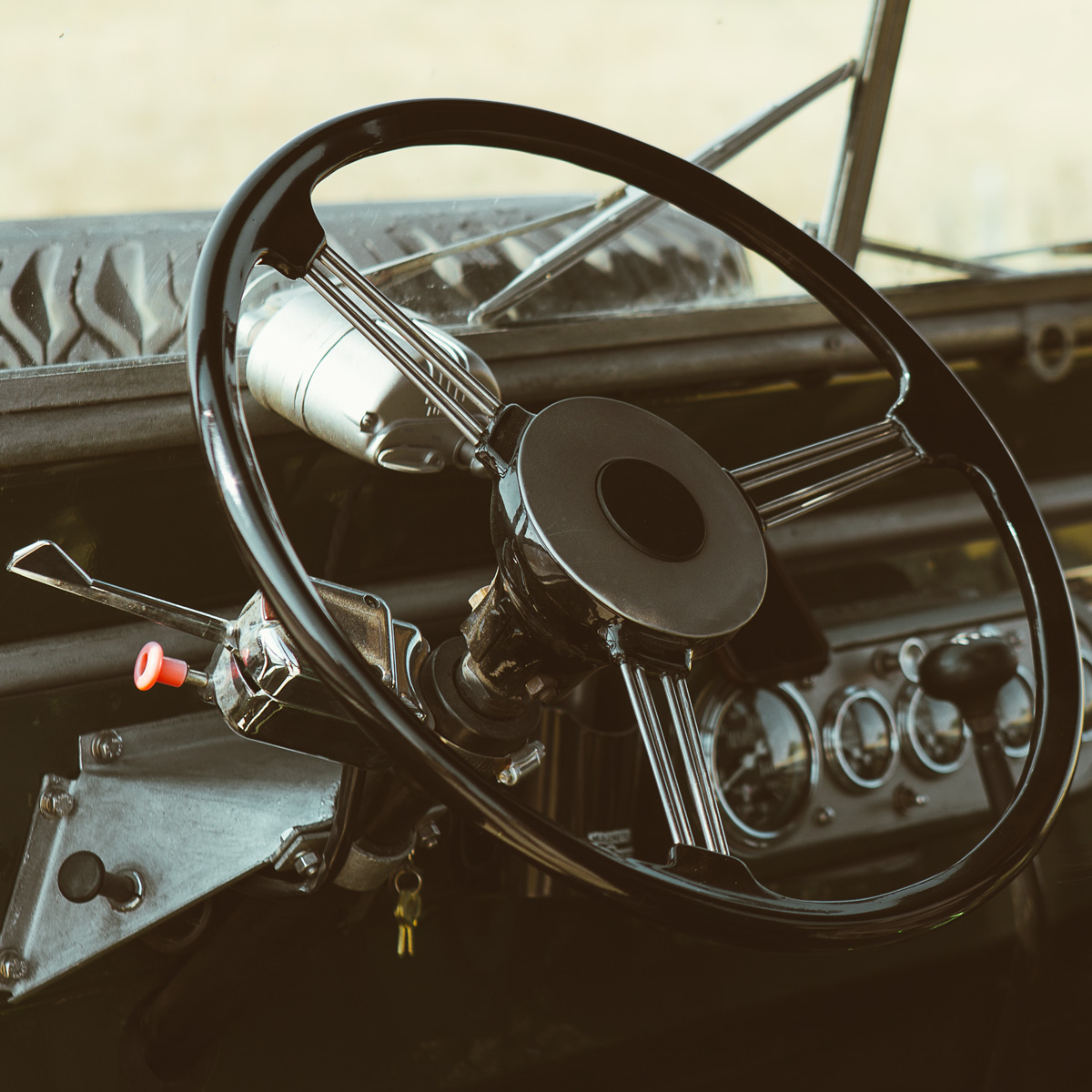 Land_Rover_Series_One_107_Ute_03.jpg