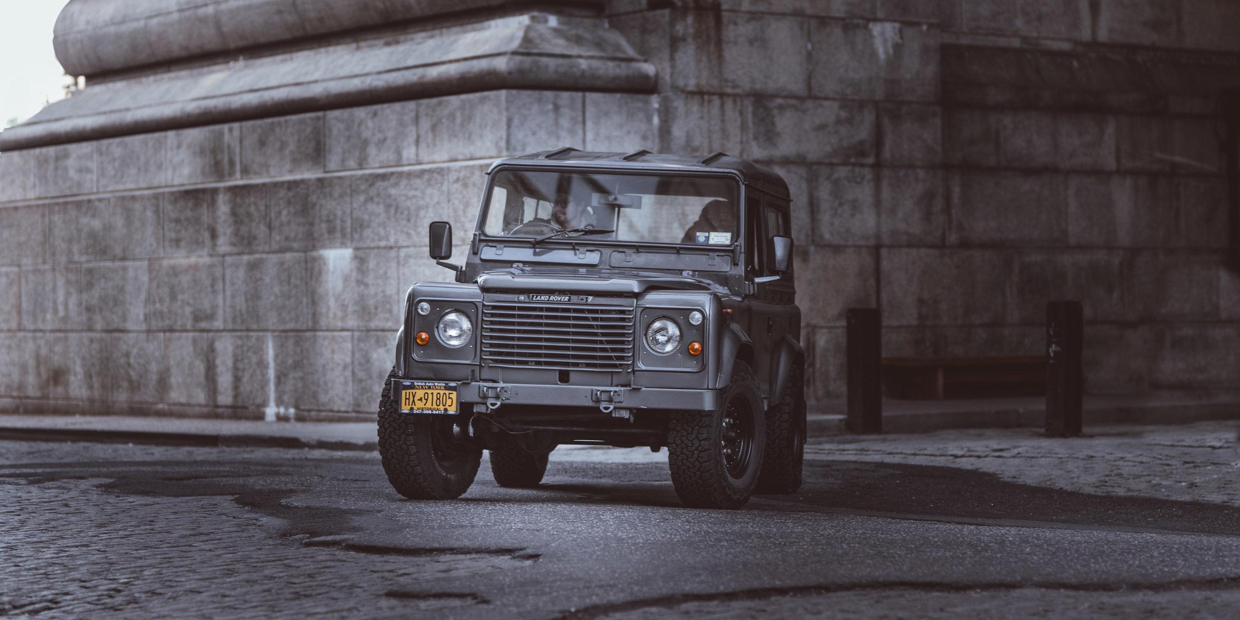 large_1986_Defender_90_2.5NA_01.jpg