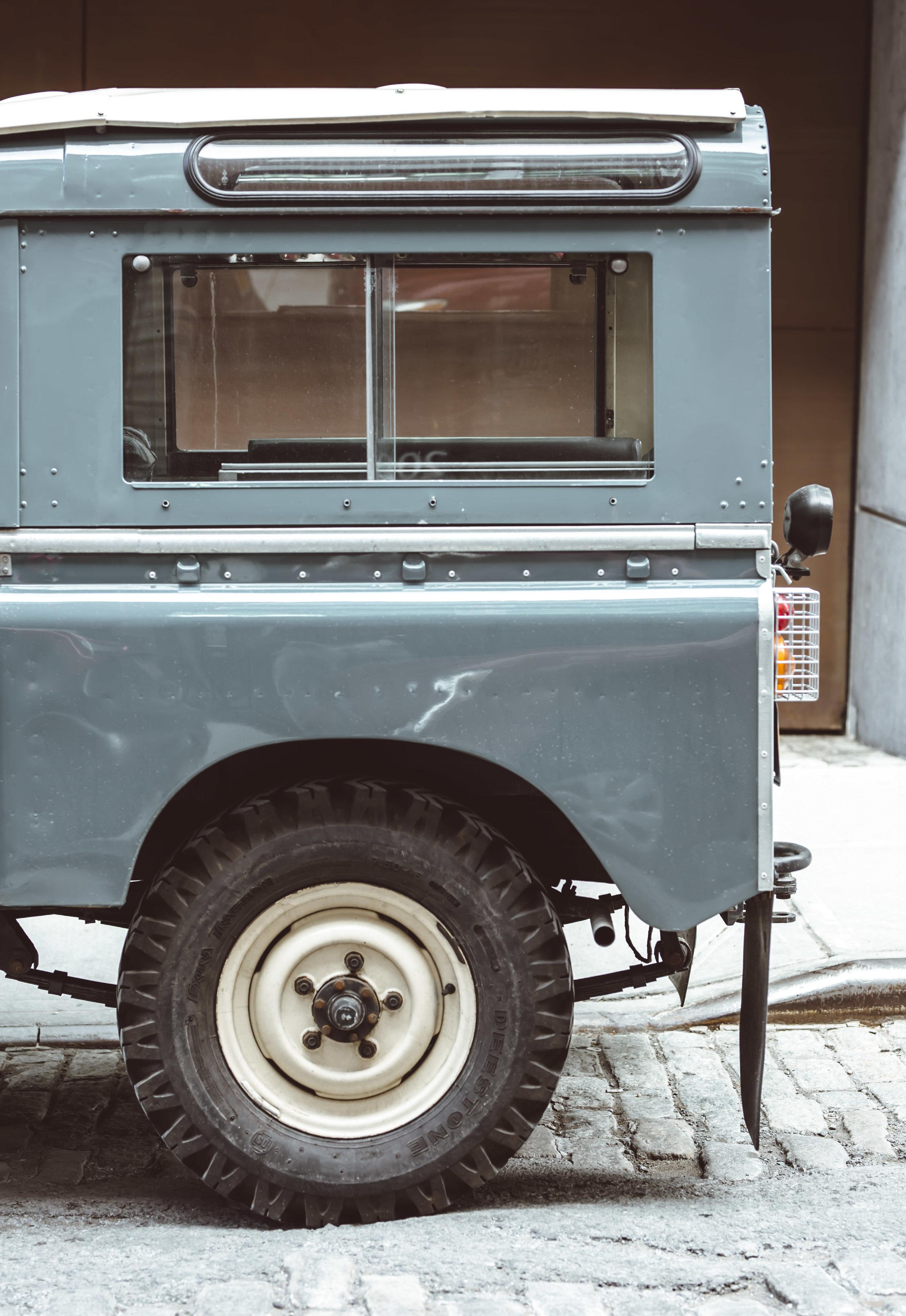 2xlarge_1972_Land_Rover_Series_III_01.jpg