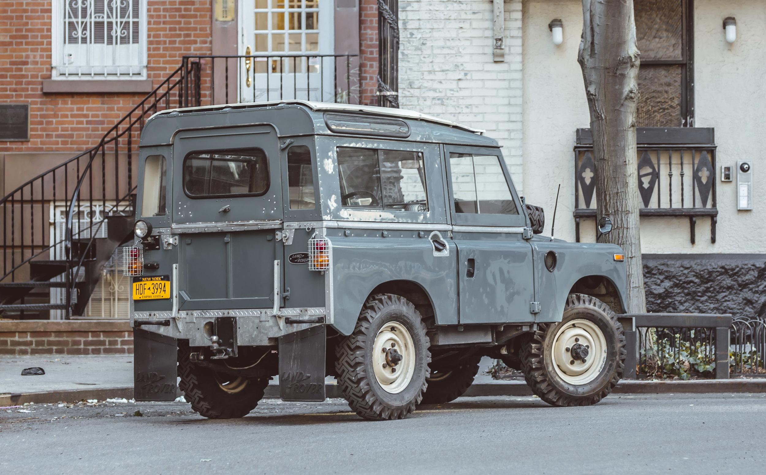 large_1972_Land_Rover_Series_III_02.jpg