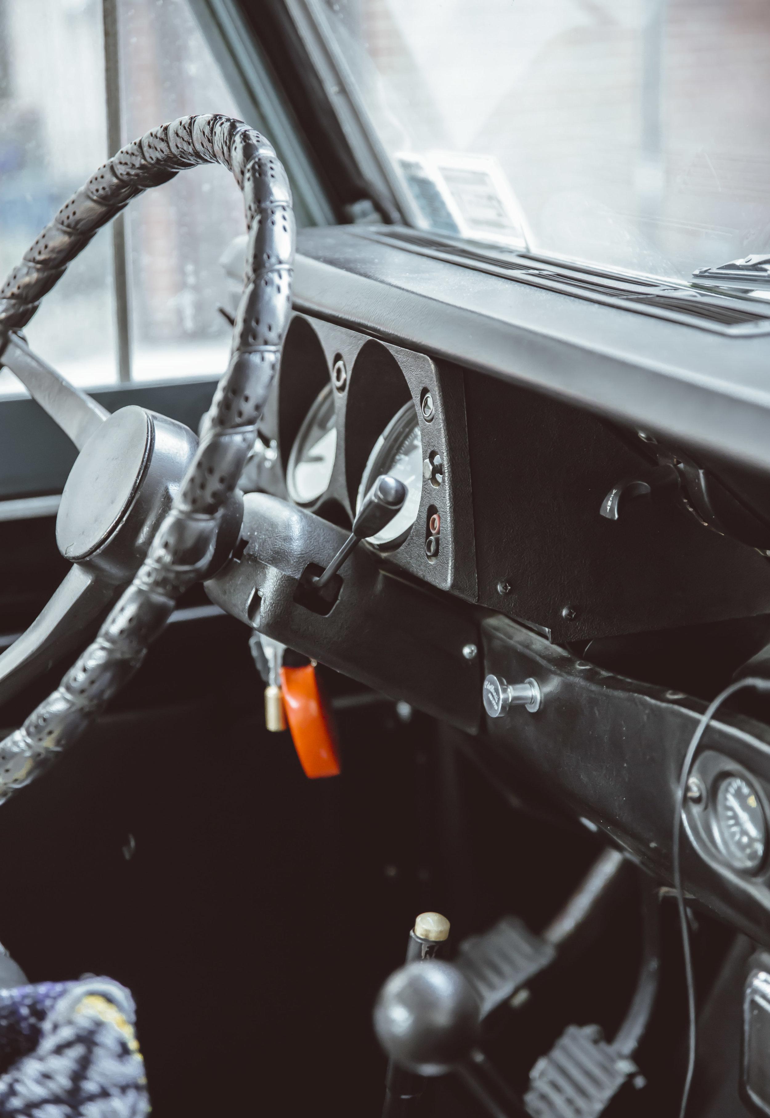 2xlarge_1972_Land_Rover_Series_III_04.jpg