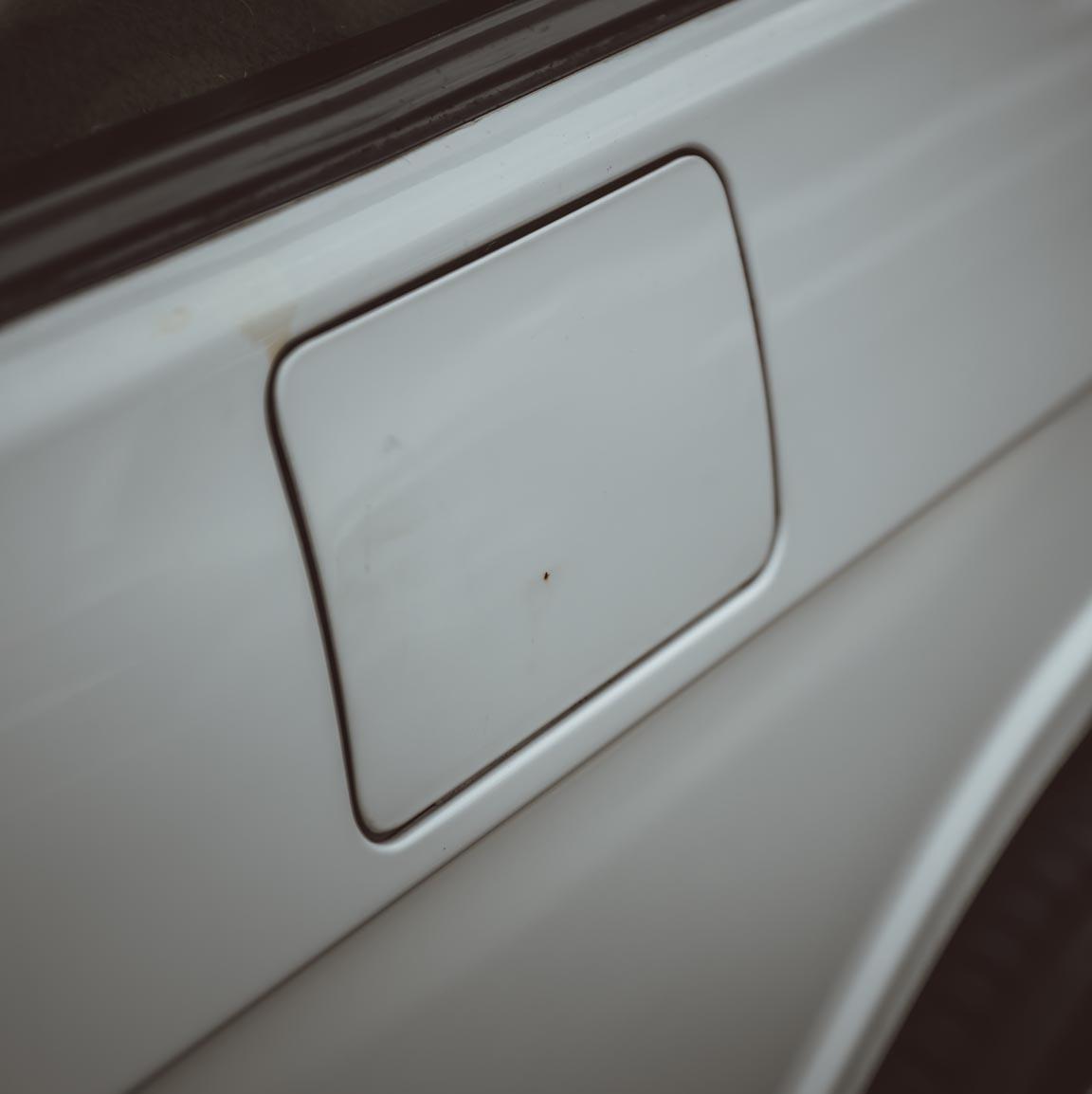 small_1995_Range_Rover_Classic_white__0026_Layer 140.jpg