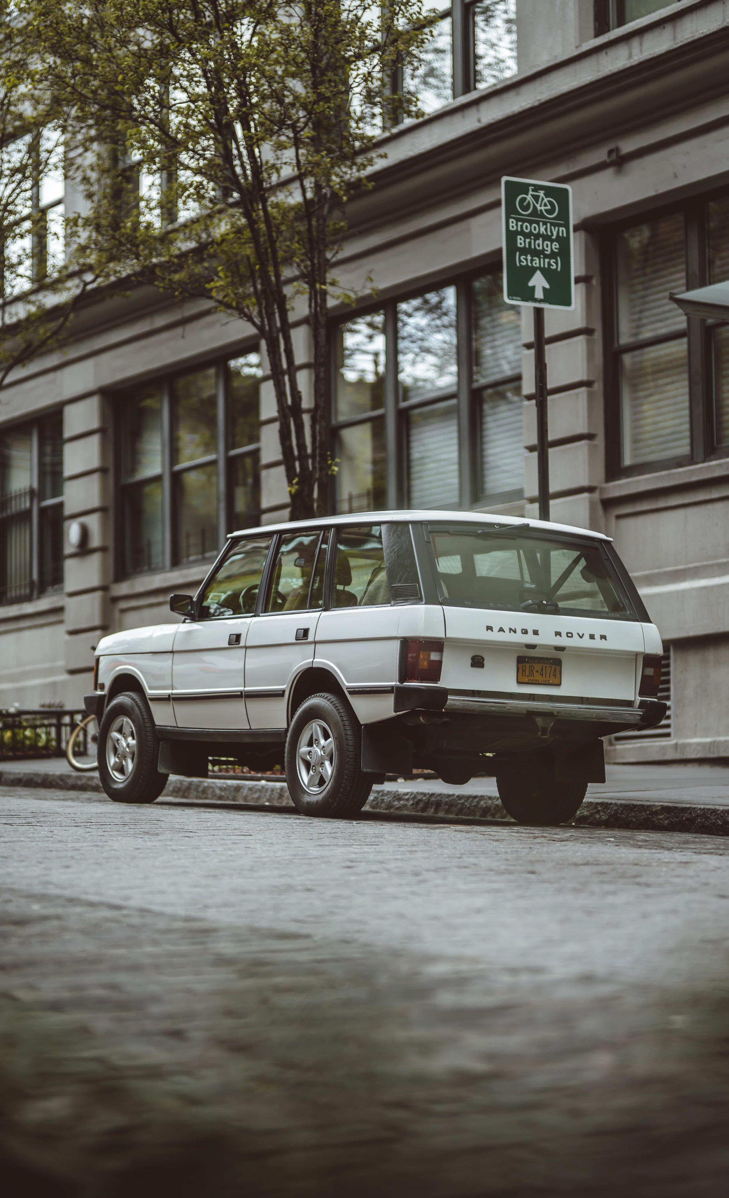 2xlarge_1995_Range_Rover_Classic_white_0017_Layer 21.jpg