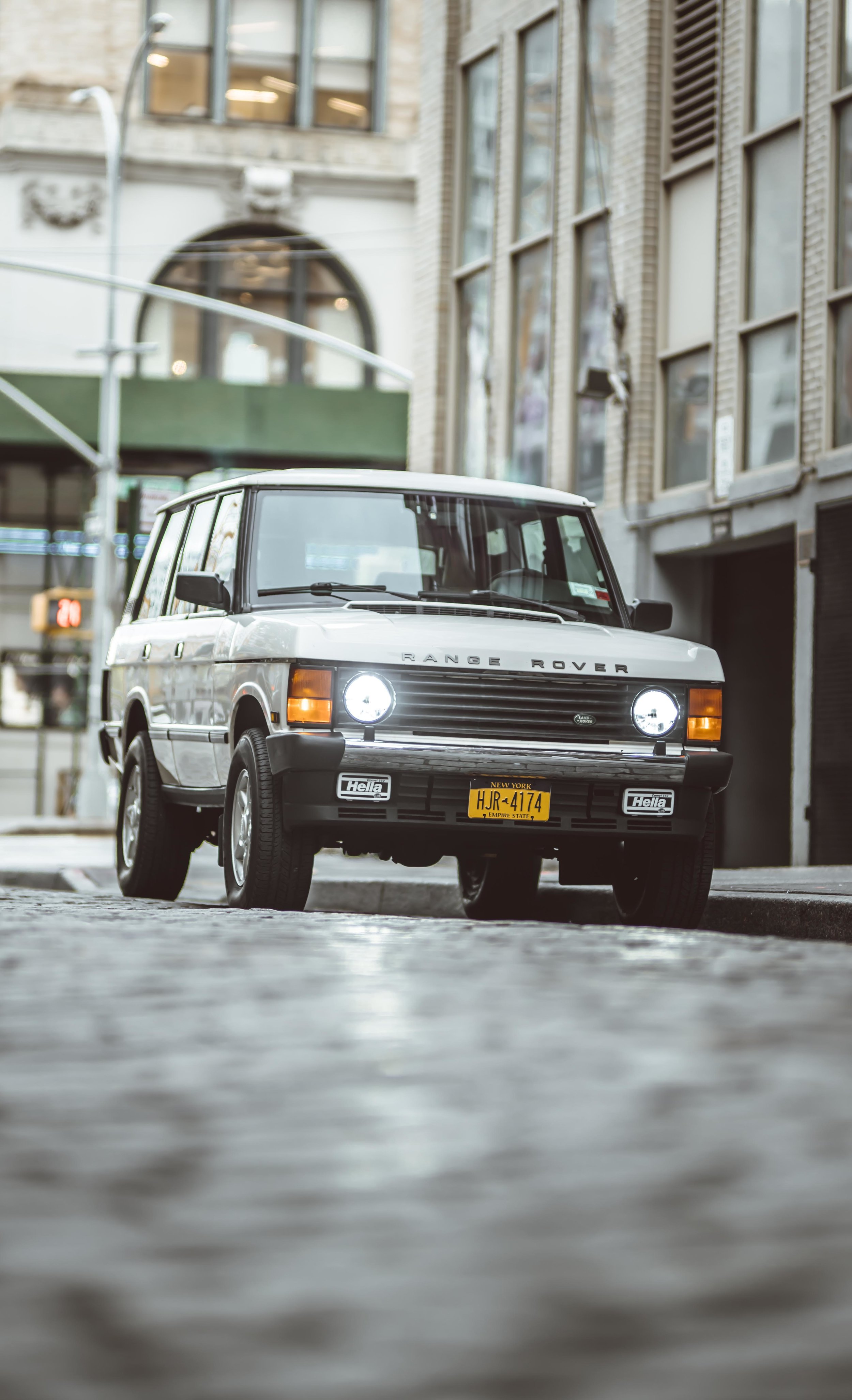 2xlarge_1995_Range_Rover_Classic_white_0019_Layer 19.jpg