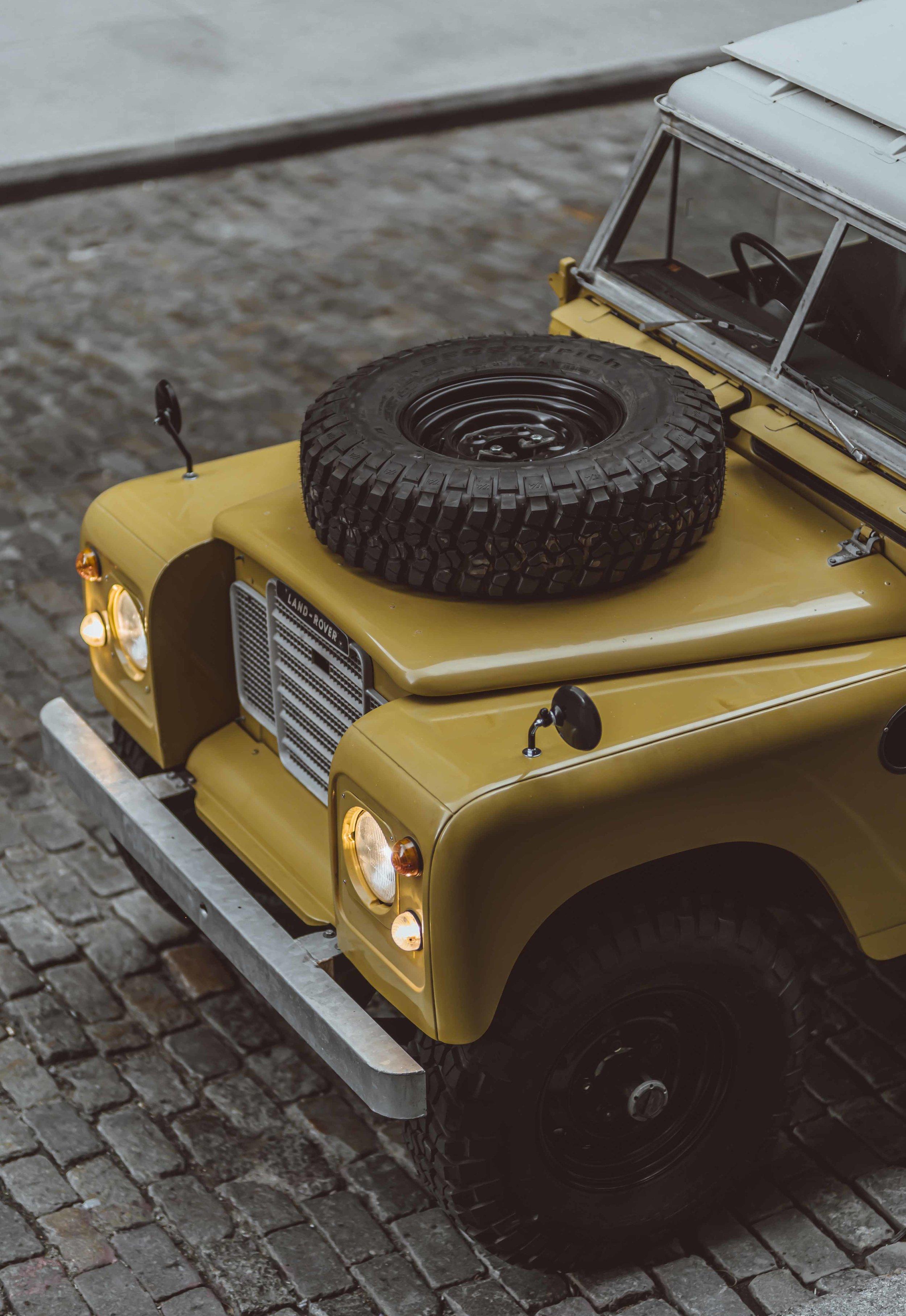 1975_Land_Rover_Series_III_109_Bahama_Gold_2XLarge_0002_Layer 21.jpg