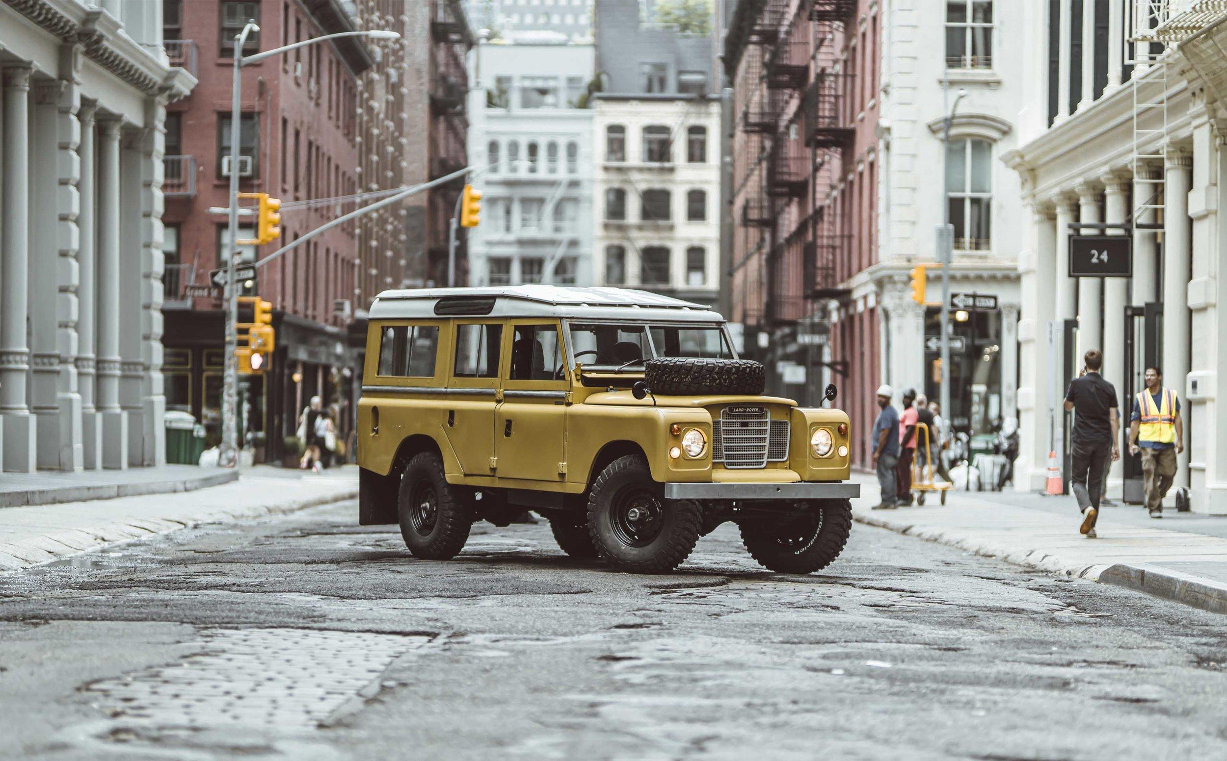 1975_Land_Rover_Series_III_109_Bahama_Gold_Large_0004_Layer 27.jpg