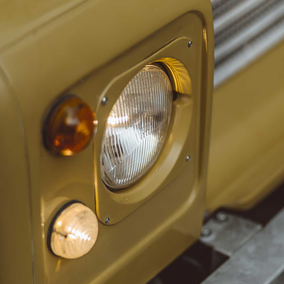 1975_Land_Rover_Series_III_109_Bahama_Gold_Small_0012_Layer 58.jpg