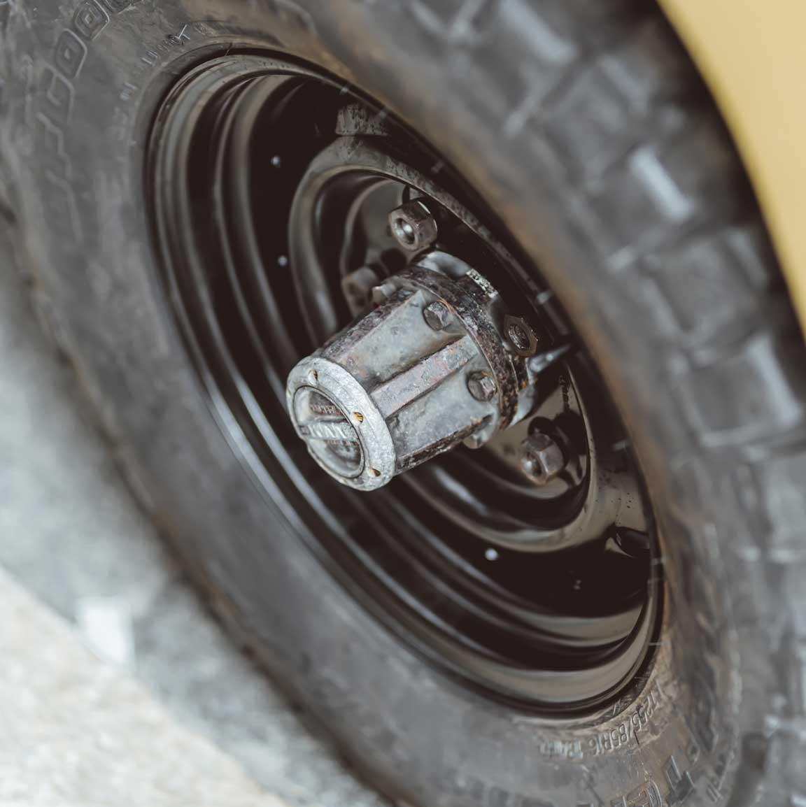1975_Land_Rover_Series_III_109_Bahama_Gold_Small_0013_Layer 57.jpg