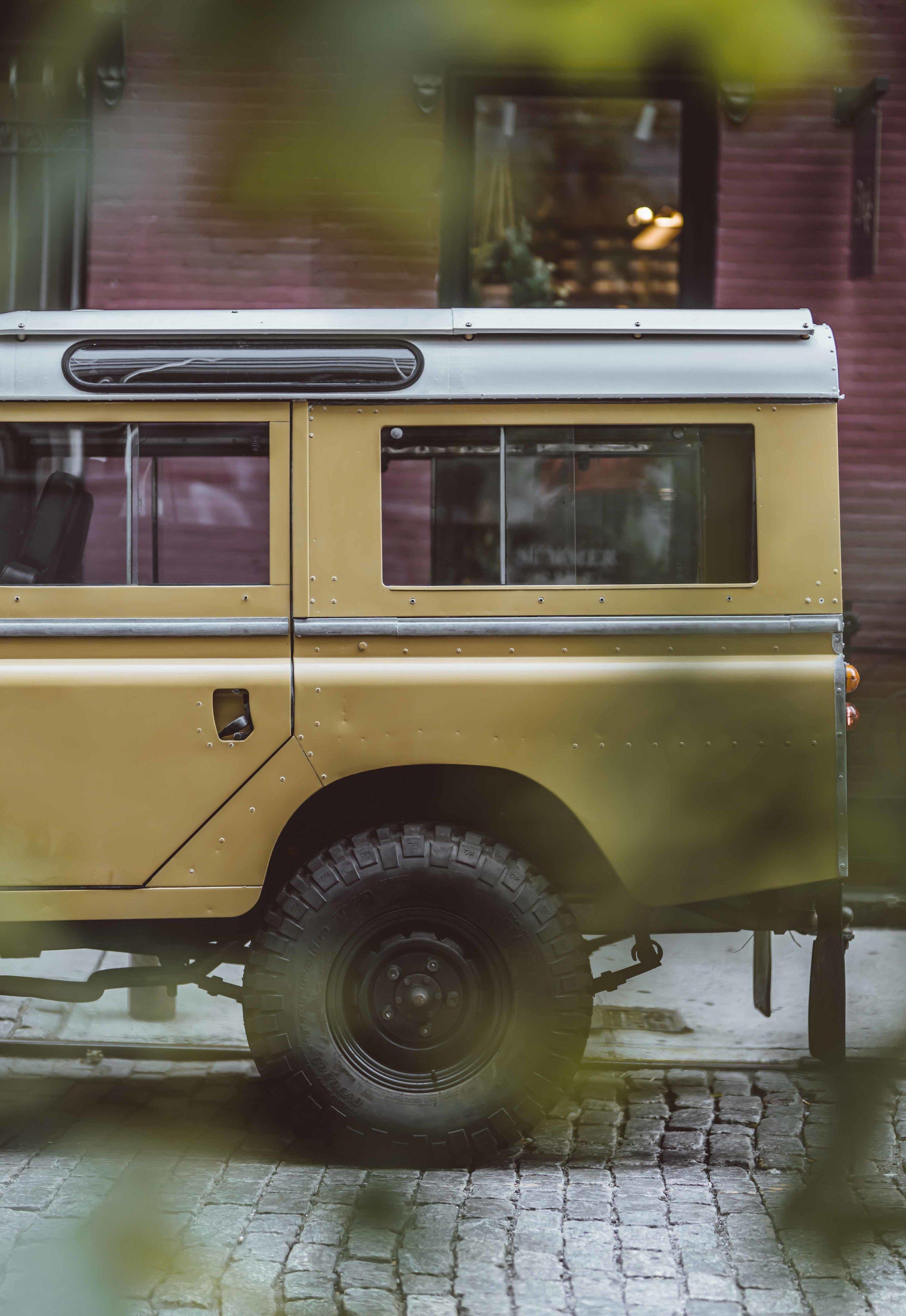 1975_Land_Rover_Series_III_109_Bahama_Gold_2XLarge_0005_Layer 17.jpg