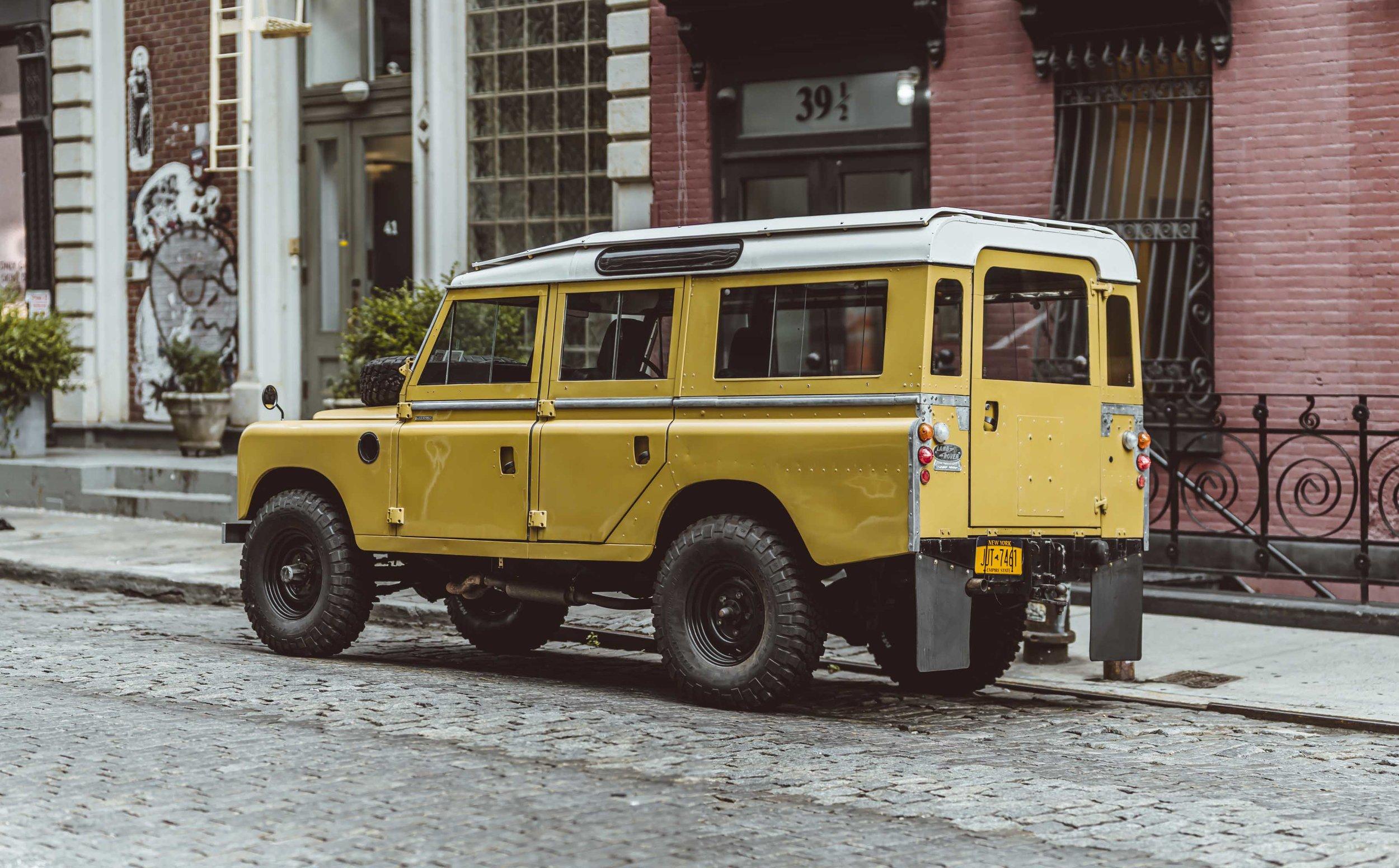 1975_Land_Rover_Series_III_109_Bahama_Gold_Large_0000_Layer 31.jpg