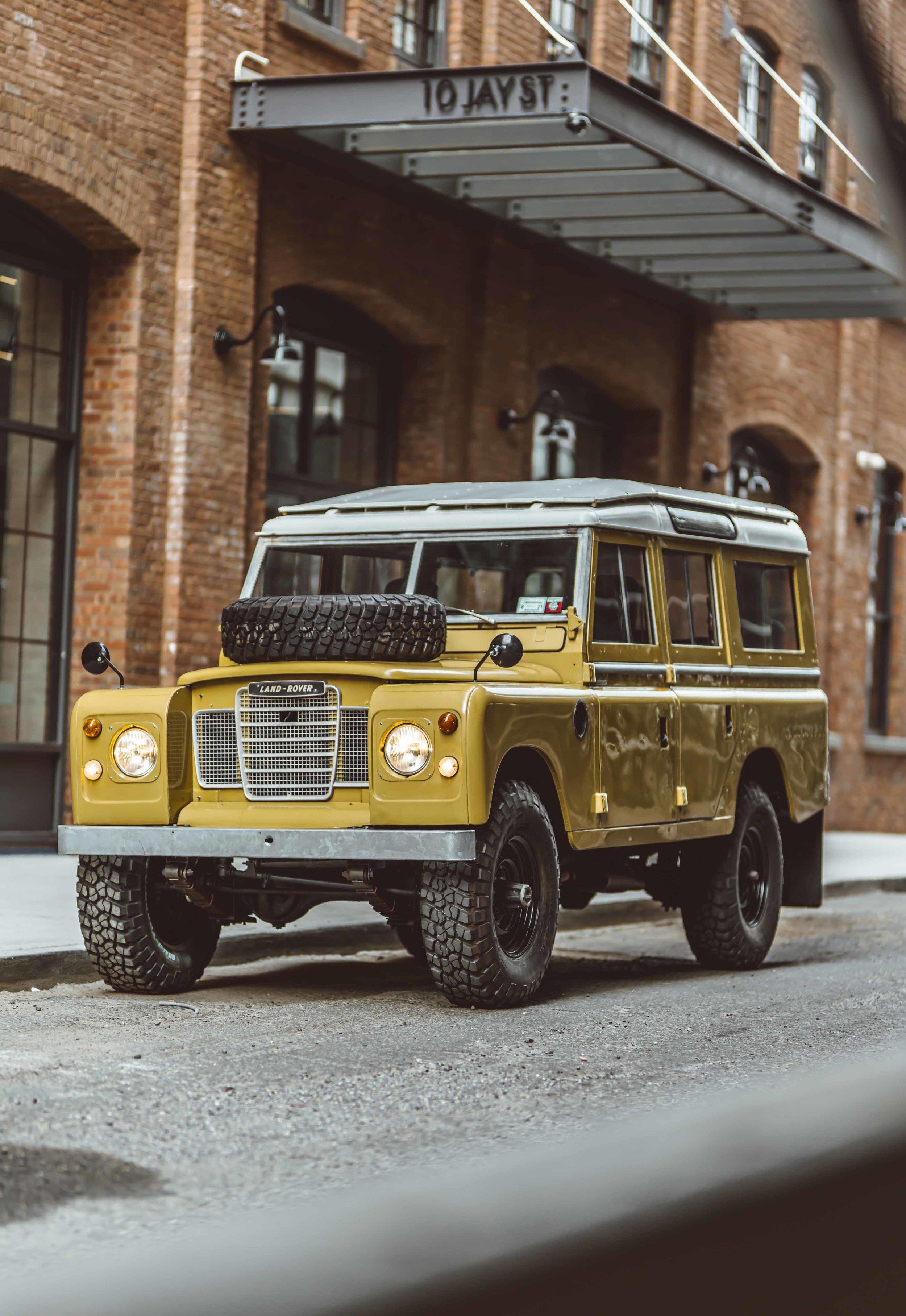 1975_Land_Rover_Series_III_109_Bahama_Gold_2XLarge_0009_Layer 13.jpg
