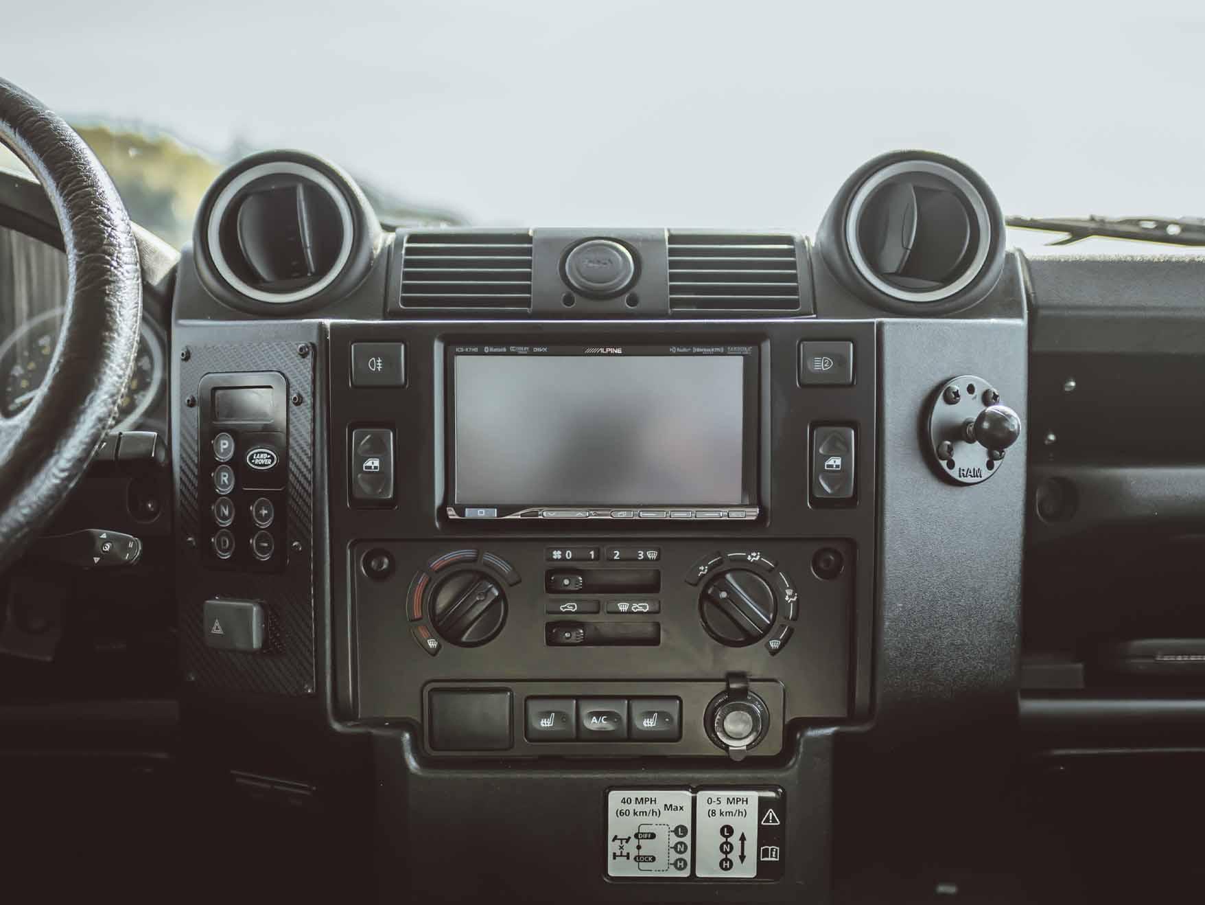 Land_Rover_130_Expedition_medium_0001_Layer 11.jpg