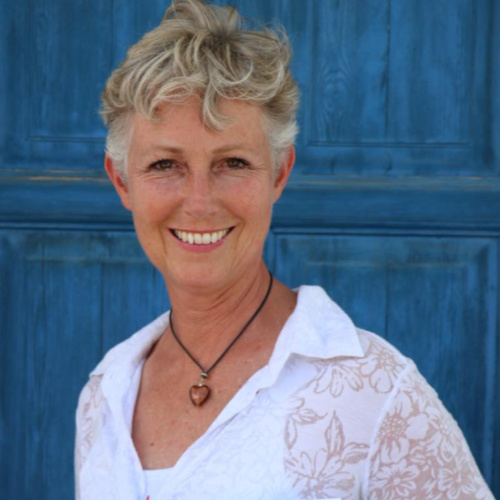 Kirsten Mackintosh - Swan Cove Yoga and Nutritionist  on body, garden and tourism.