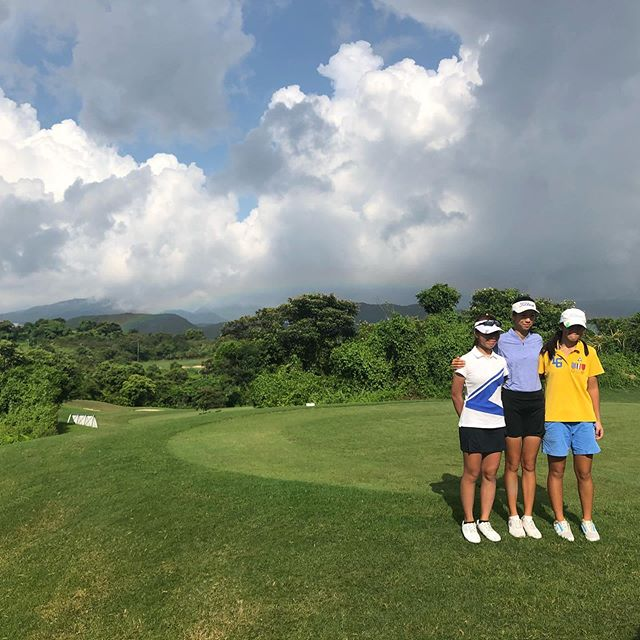 When dad says 'stand in front of the rainbow I'm taking a picture!' you stand in front of the rainbow and have your picture taken 😬😬😬 #dads #oruncles #allsmiles #saycheese #teeingoff #hkgolf #mentaledge #golferslife #kausaichau #golftournament #sportpsychology #positivepsychology #inneredgehk