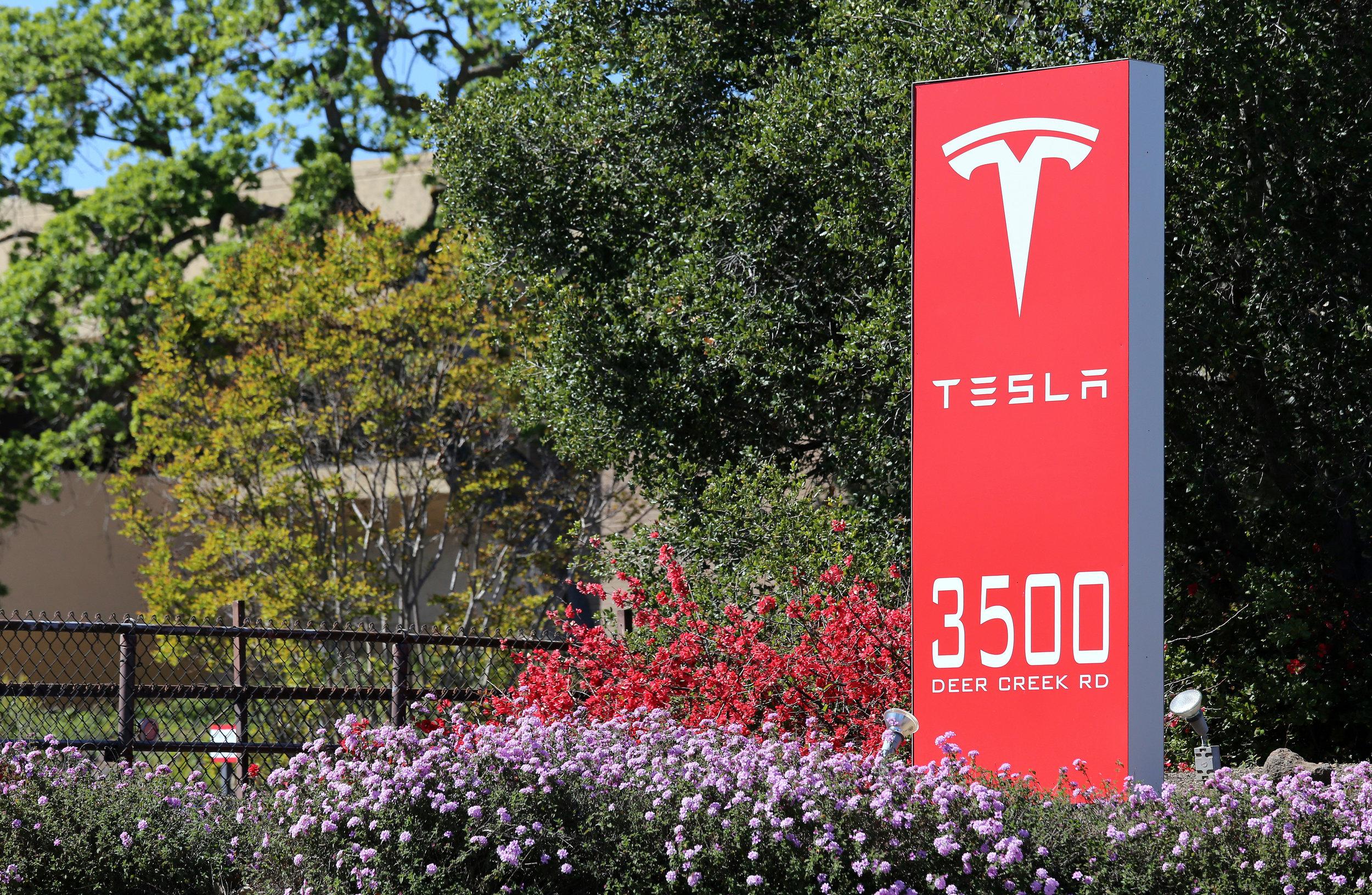 Tesla Los Altos HIlls Blu Skye Media-4K.jpeg