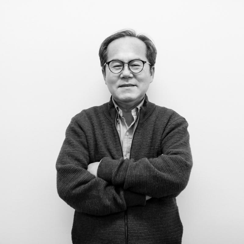 Davis Lee - Production Director