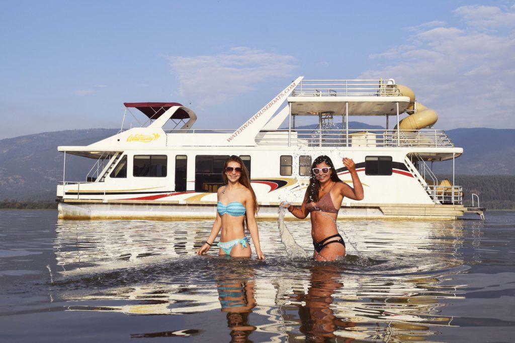 houseboat-splash-1024x683.jpg