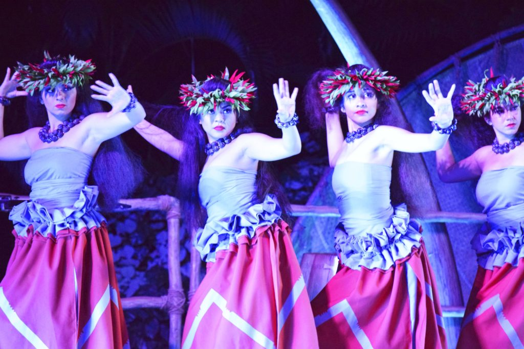 hula-with-headdresses-1024x683.jpg