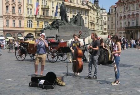 Street musicians in Prague  photo: Victor Block