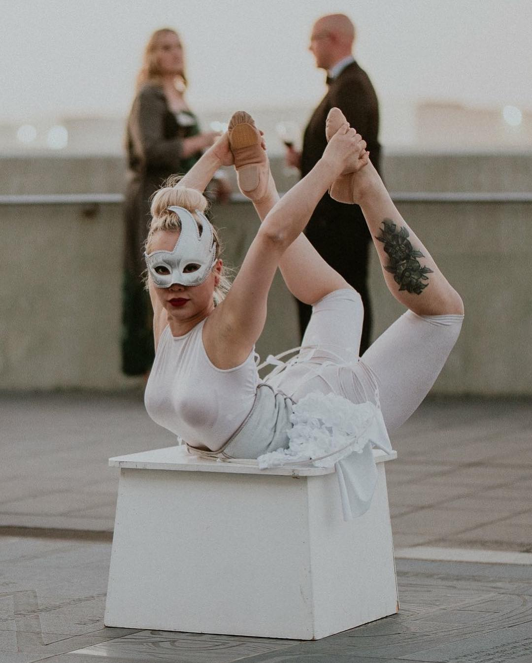 Masquerade Roving Contortion