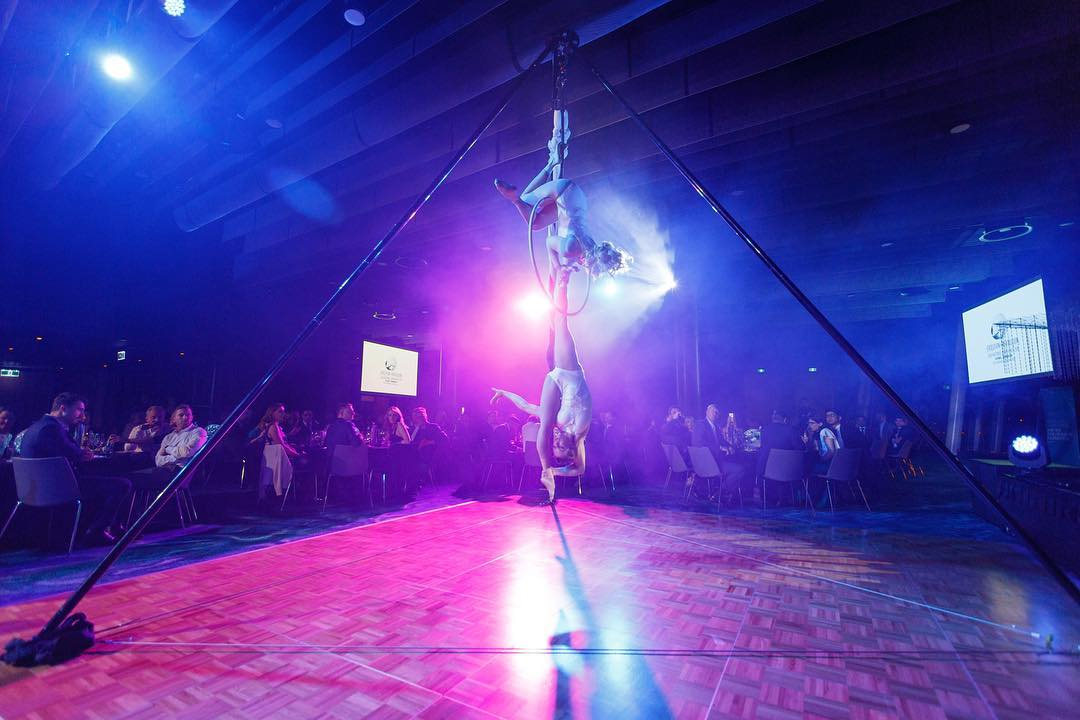 Tripod Aerial Rig    Requires a minimum height of 4.9m and 5m x 5m flat surface.   This rig has 3 heights and can be packed down discreetly after a performance, a process that only takes 5 minutes.