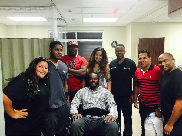 chrisgayle_aftersurgery.jpg