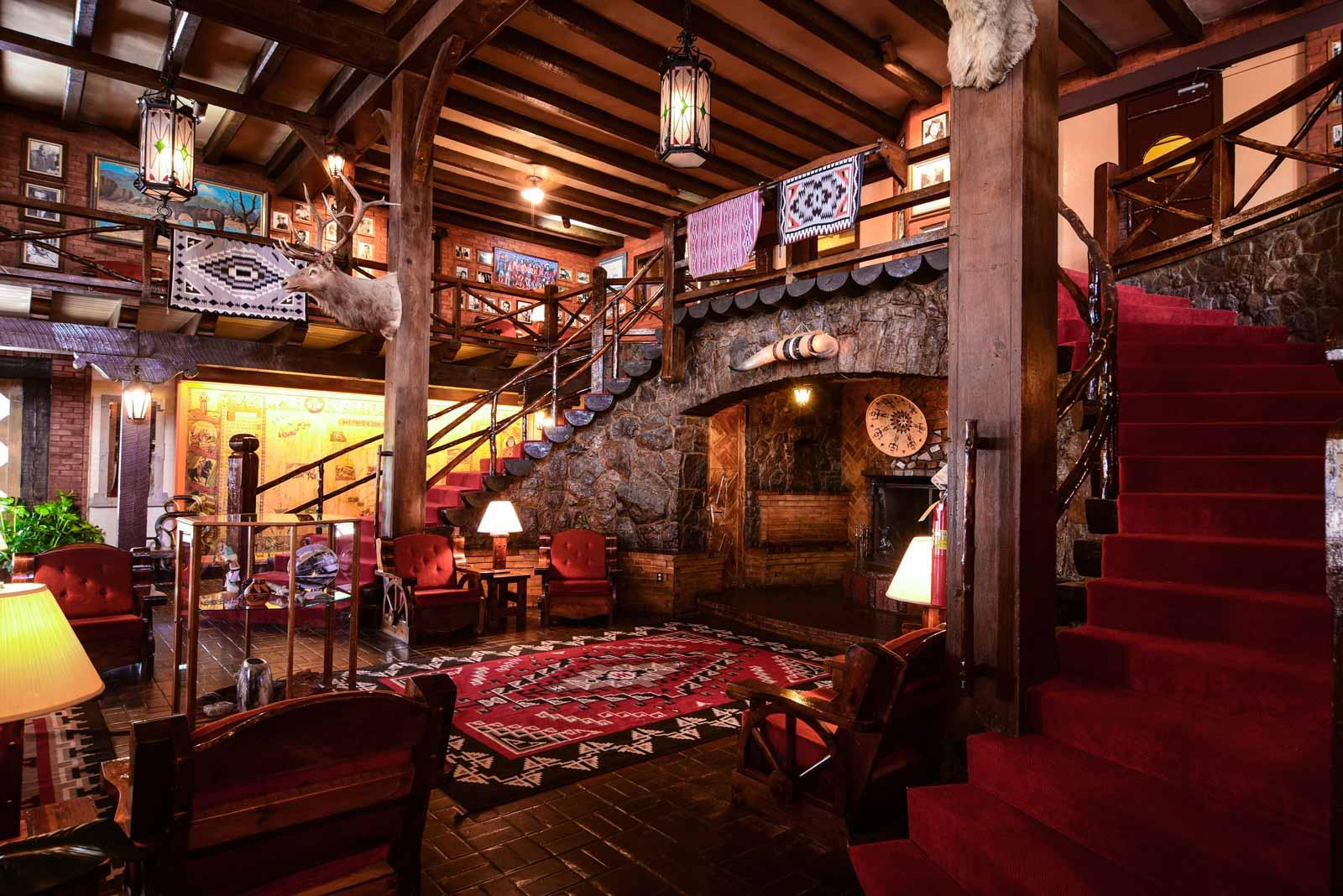 3 historicelranchohotel-lobby.jpg