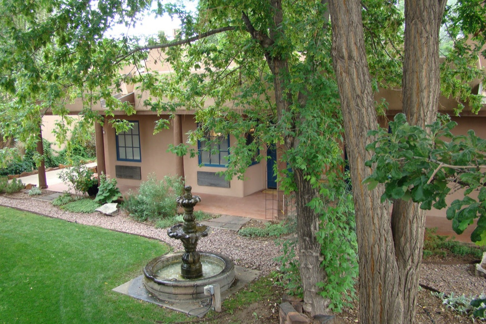 Taos Inn Courtyard.jpg