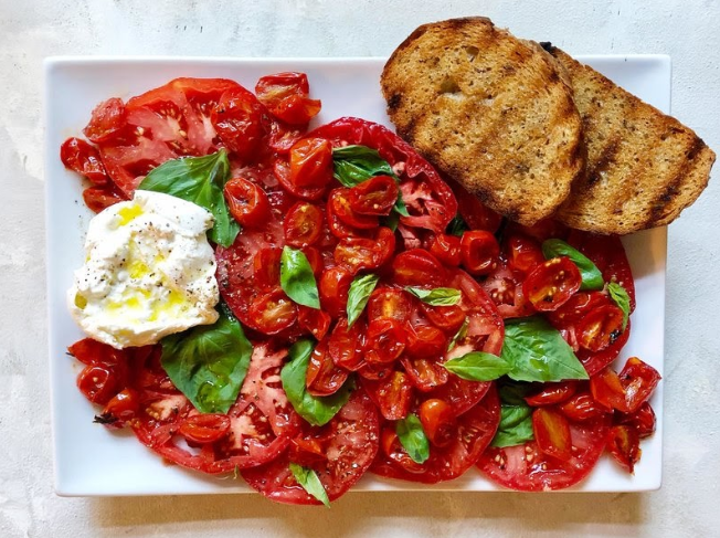Caprese-Salad-With-Roasted-Tomatoes-and-Burrata