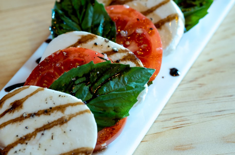 Mozzarella-and-Burrata