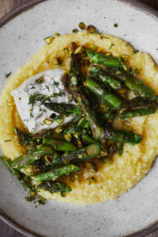 Asparagus-Polenta-with-Dill-Pistachios-and-Burrata