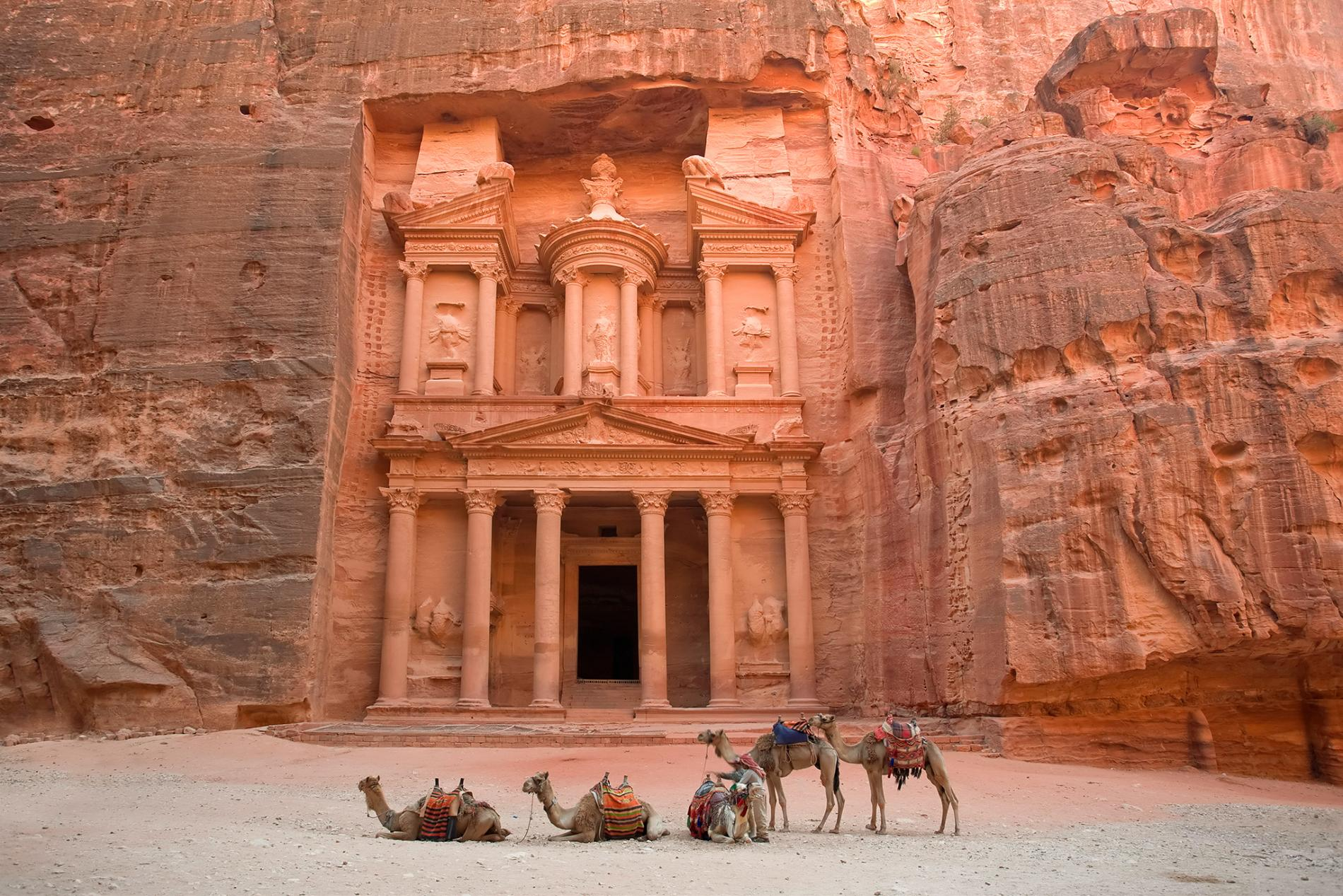 petra-world-heritage-jordan.ngsversion.1490221804161.adapt.1900.1.jpg