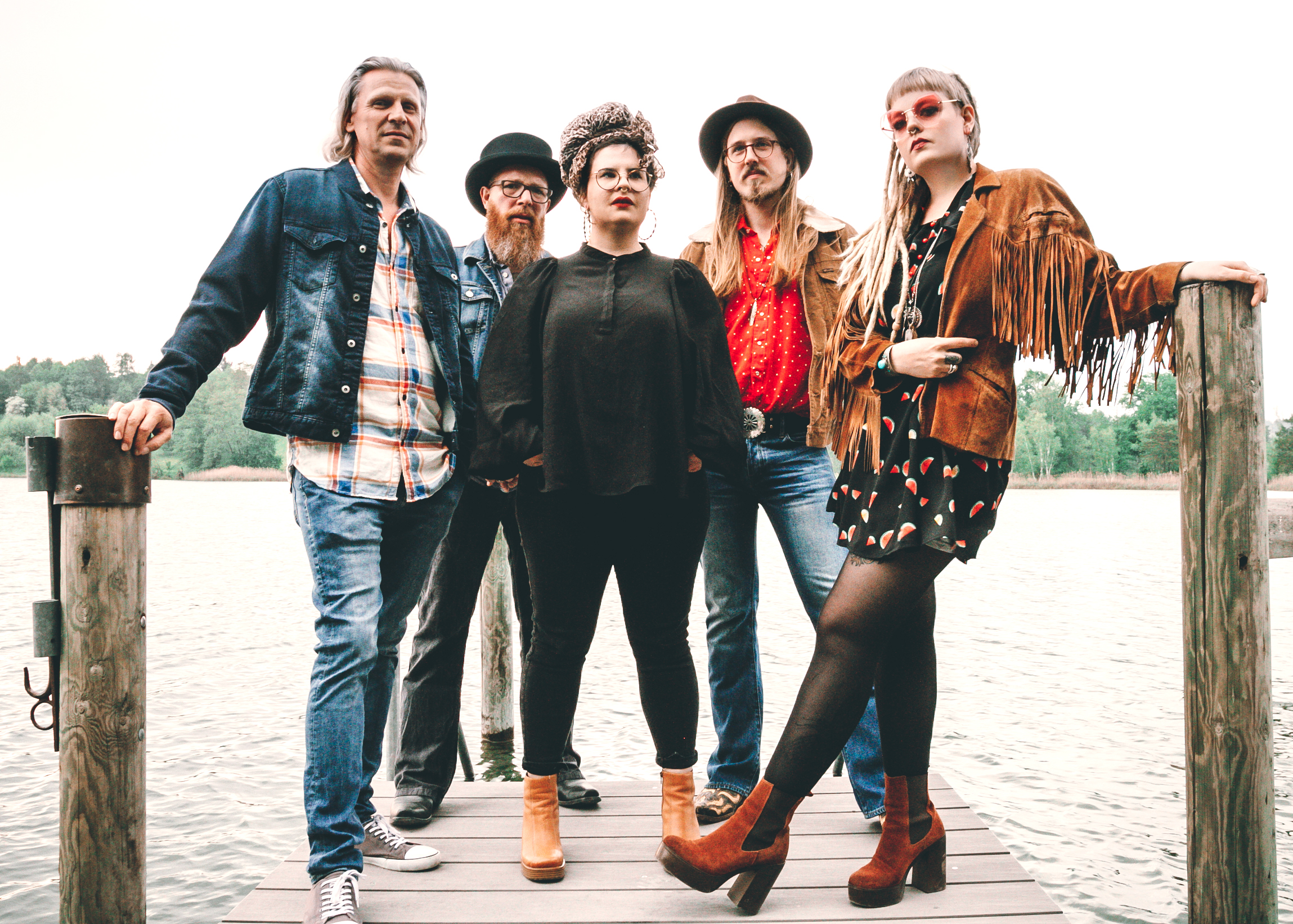 The Band - Jenna Aerne - vocals, electric guitarSandro O. Garcia - electric guitar, vocalsLukas Bosshardt - hammond, piano, synthJürg Hurter - bassNora Lützelschwab - drums, percussion
