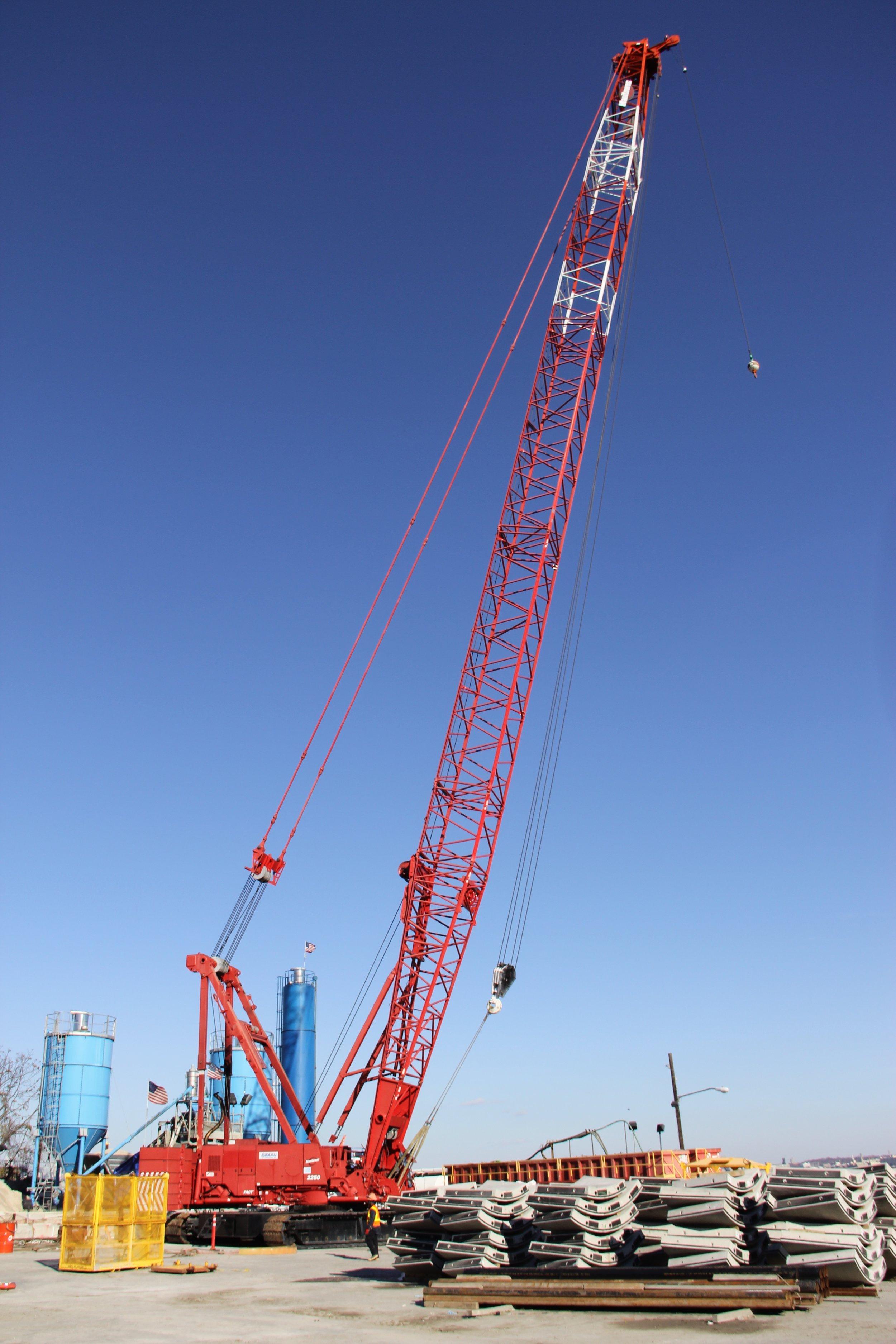 Crawler cranes - Ranging from 85-440 tons