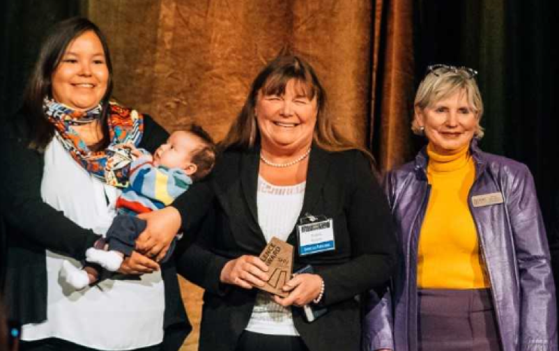 Jessica Dieter and Dr. Angela Bowen (pictured left) are members of the research team,  Bringing Birth Back: Improving Access to Culturally Safe Birth in Saskatchewan. They were presented the Excellence Award by Dr. Vivian Ramsden (right) for having the top SPROUT grant in the 2018 SHRF-SCPOR SPROUT grant competition.  (Photo: Chris Plishka)