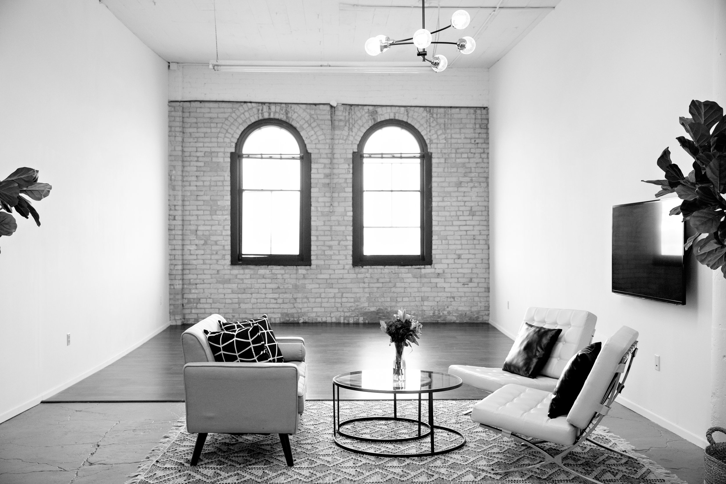 NE Minneapolis photography studio with large white walls and beautiful natural light available for hourly rental
