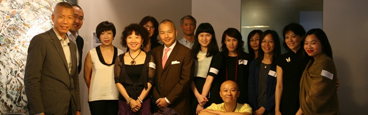 Group photo :  [from left to right]  Cai Guo-Qiang (ACC Grantee), Nelson Leong (Board Chairman, Hong Kong Arts Centre), Wendy Li (Arts Community), Cissy Pao Watari (ACC HK Friends' Committee), Janet Nathanail (ACC HK Friends' Committee), Joseph Fung (Director, SP2), Robert Ho (Board Chairman, Robert H.N. Ho Foundation), Chan Ning (ACC Grantee), Stella Fong (ACC Grantee), Hung Keung (ACC Grantee), Eliza Lai (Arts Community), Fiona Wong (ACC Grantee), Marissa Fung Shaw (Vice-Chairman, ACC HK Friends' Committee), Christina Chung (ACC HK Program Associate)