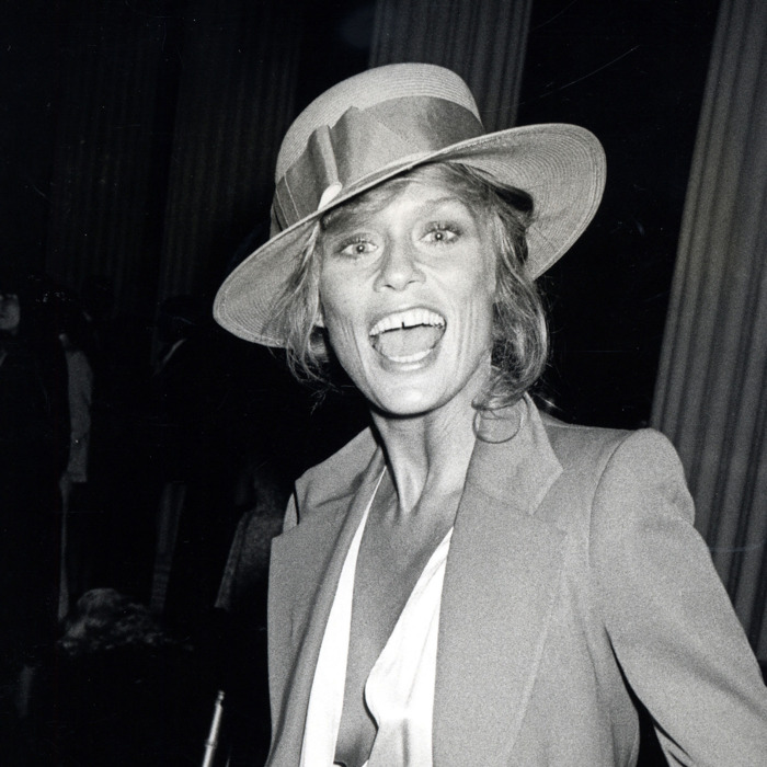 Lauren Hutton styling a boater hat. Photo: Ron Gelella/ WireImage