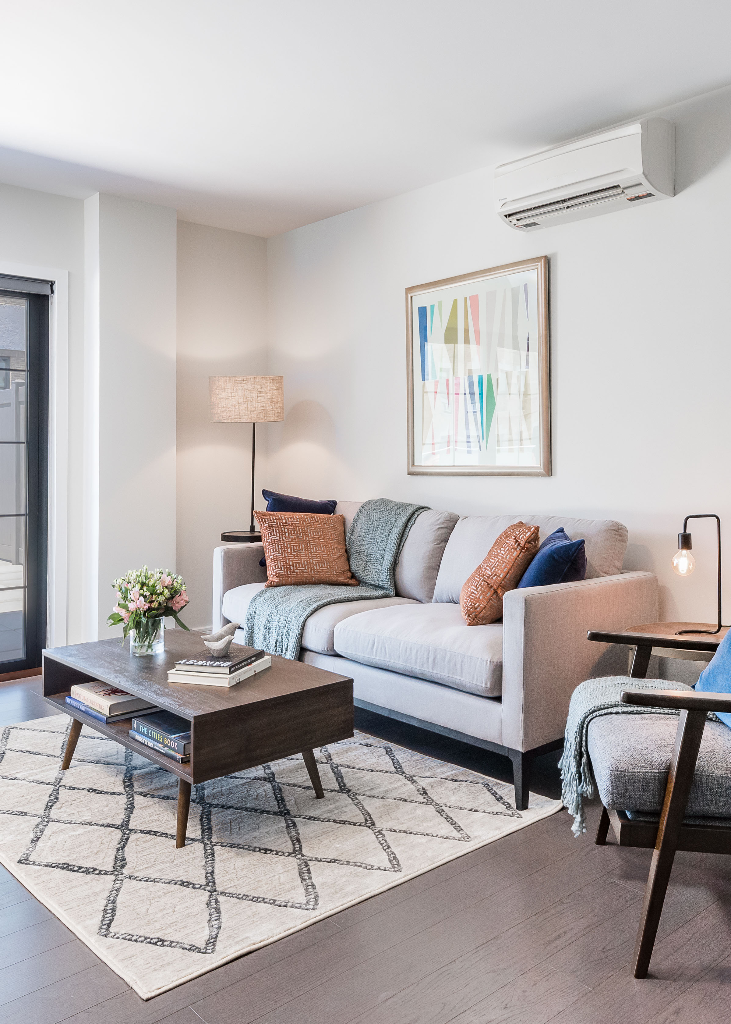 - This appealing 23-unit luxury rental, on 40-05 Crescent Street, thoroughly blends contemporary styling with exceptional comfort. Well situated in heart of Long Island City, you'll be at the center of a dynamic neighborhood where possibilities are always unfolding.