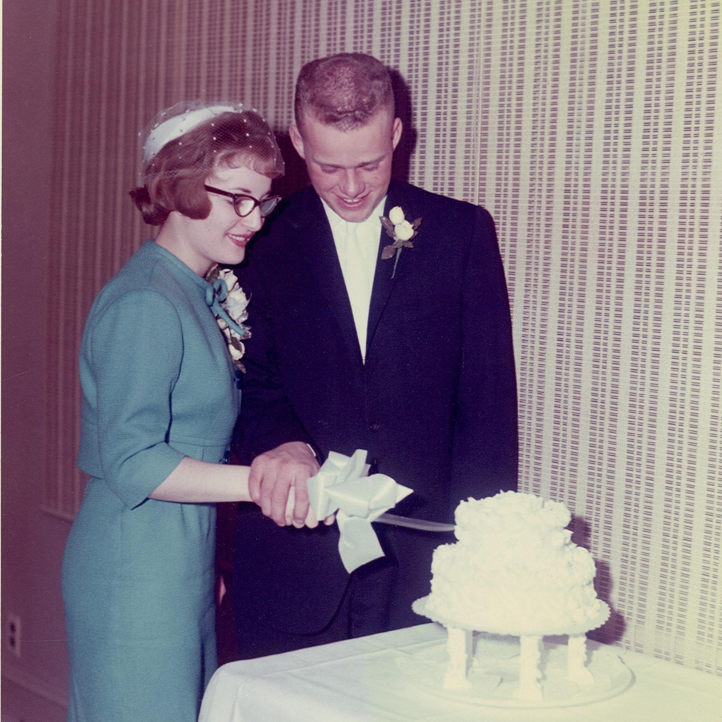 1962 - Ed married Minette (nee: Sprehn) and they had 4 children: Linette, Eddie (Jr.), Craig & Colette.
