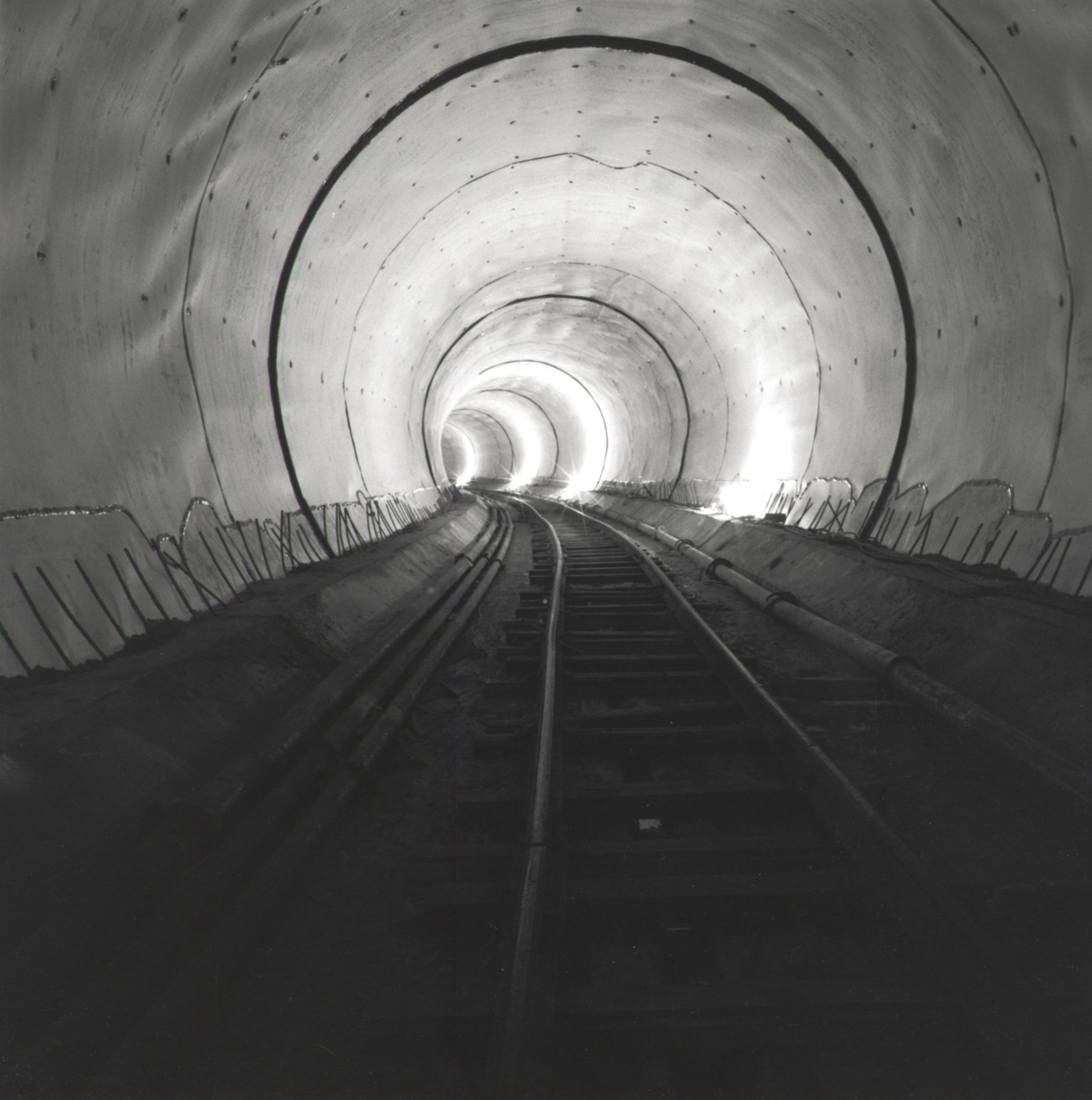 Tunnel With H.D.P.E. Liner - 1995